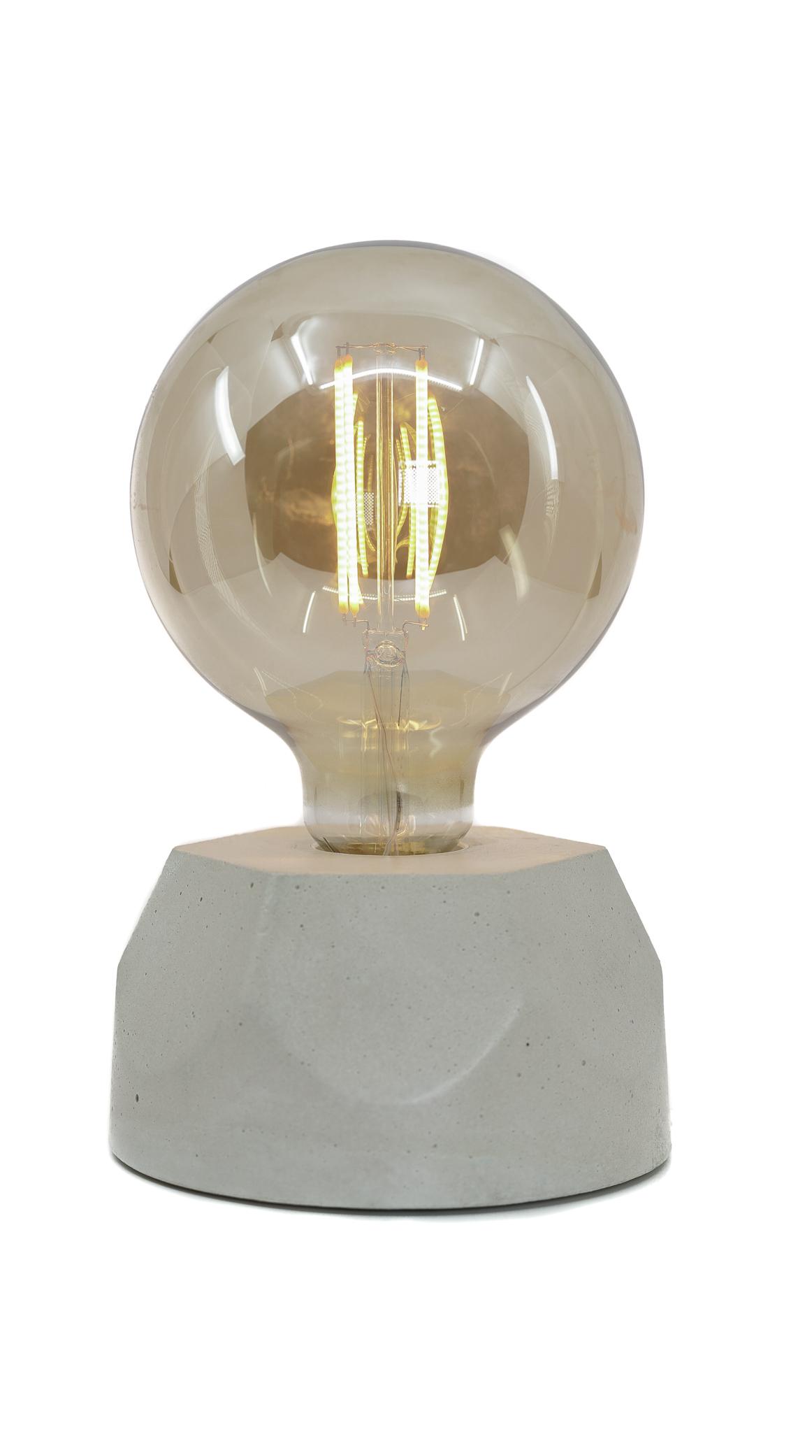 Lampe hexagone en béton beige fabrication artisanale