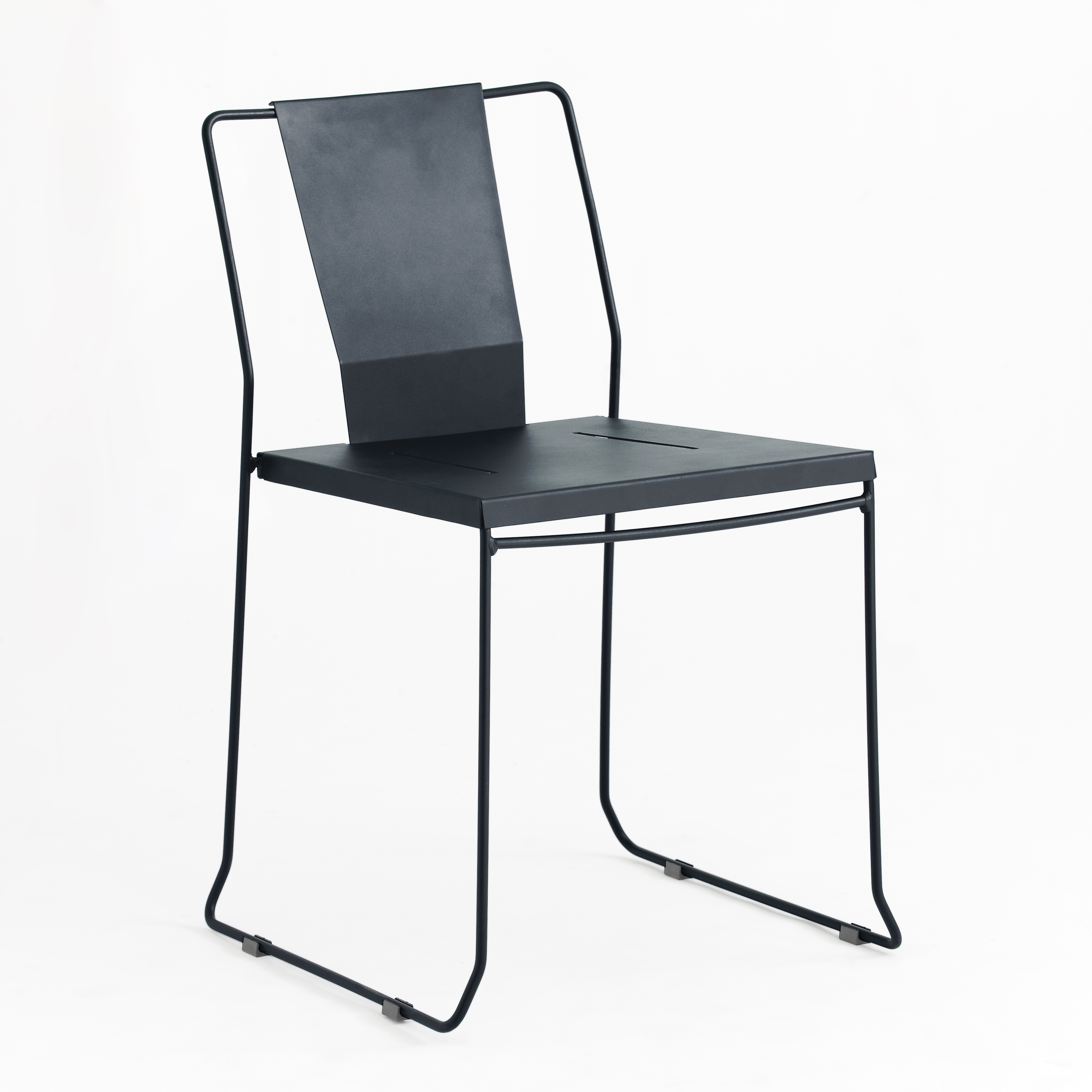 Chaise en acier gris