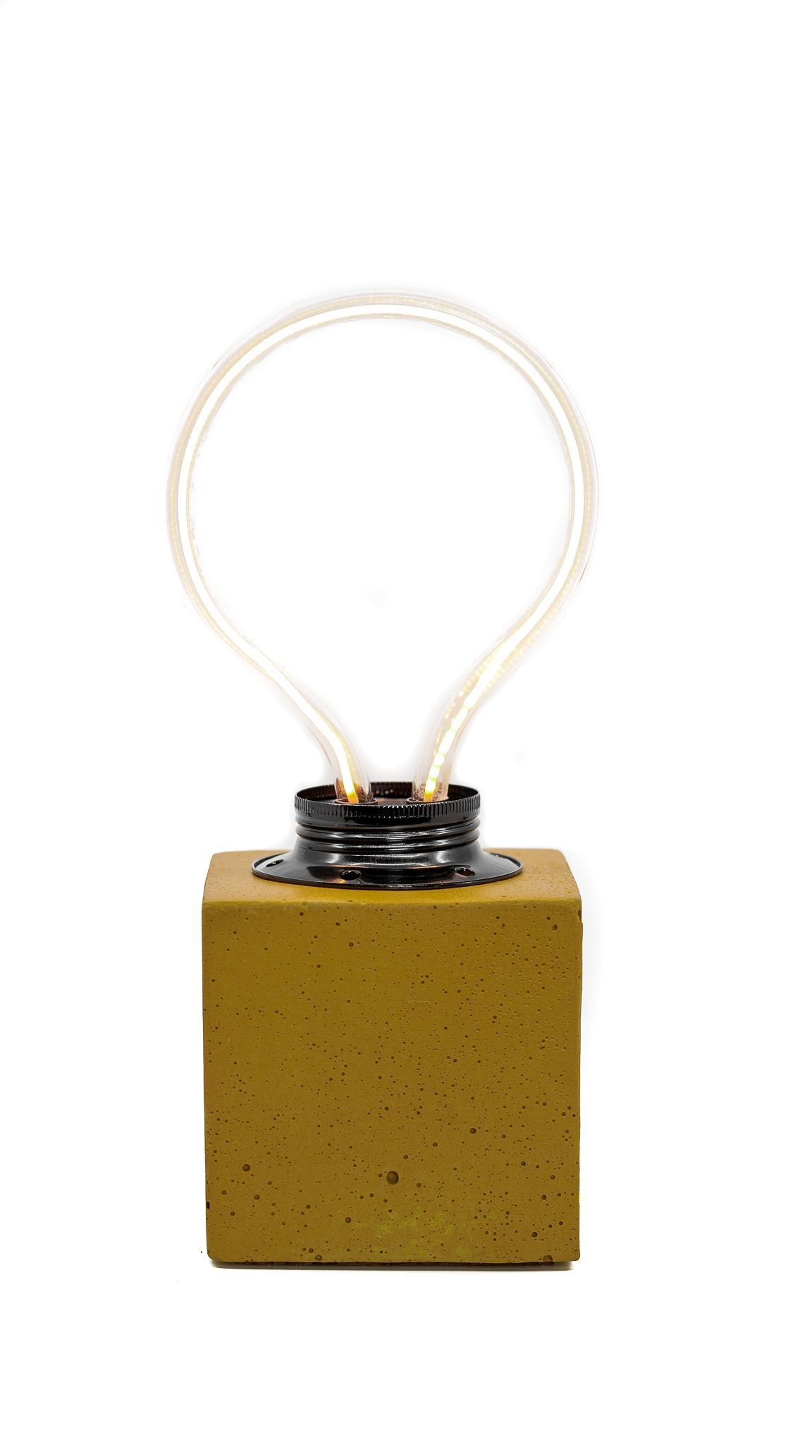 Lampe cube néon en béton jaune fabrication artisanale