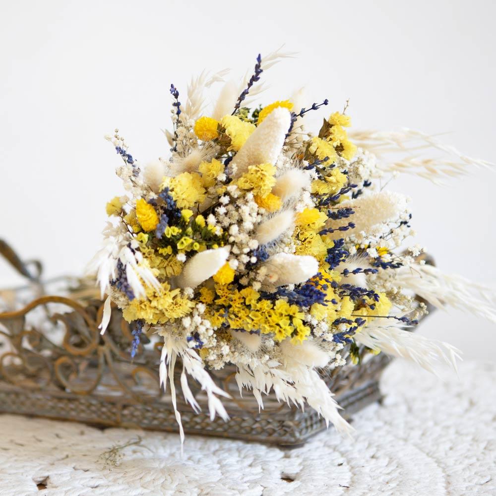 Bouquet de fleurs séchées à base de lavande