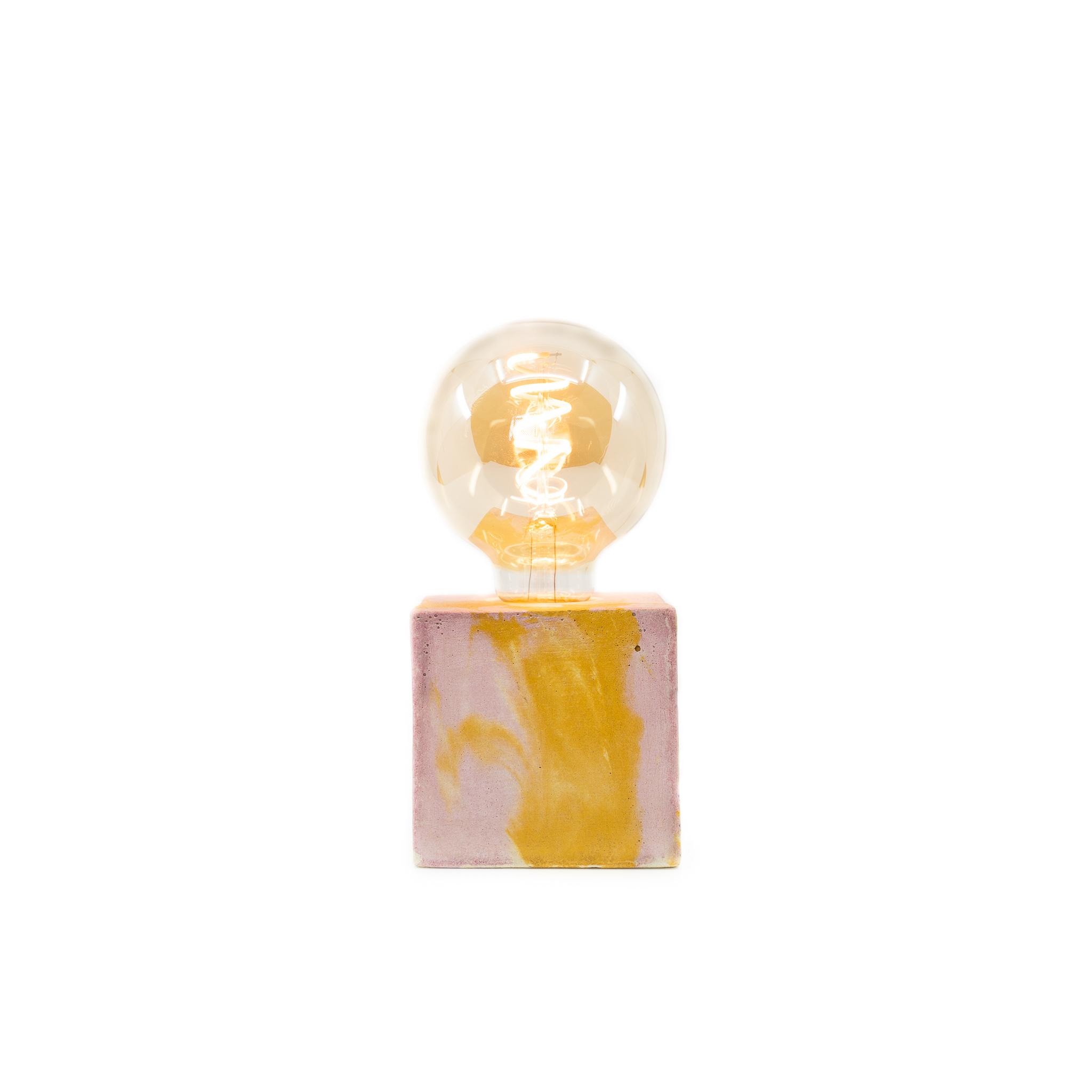 Lampe cube marbré en béton rose & jaune