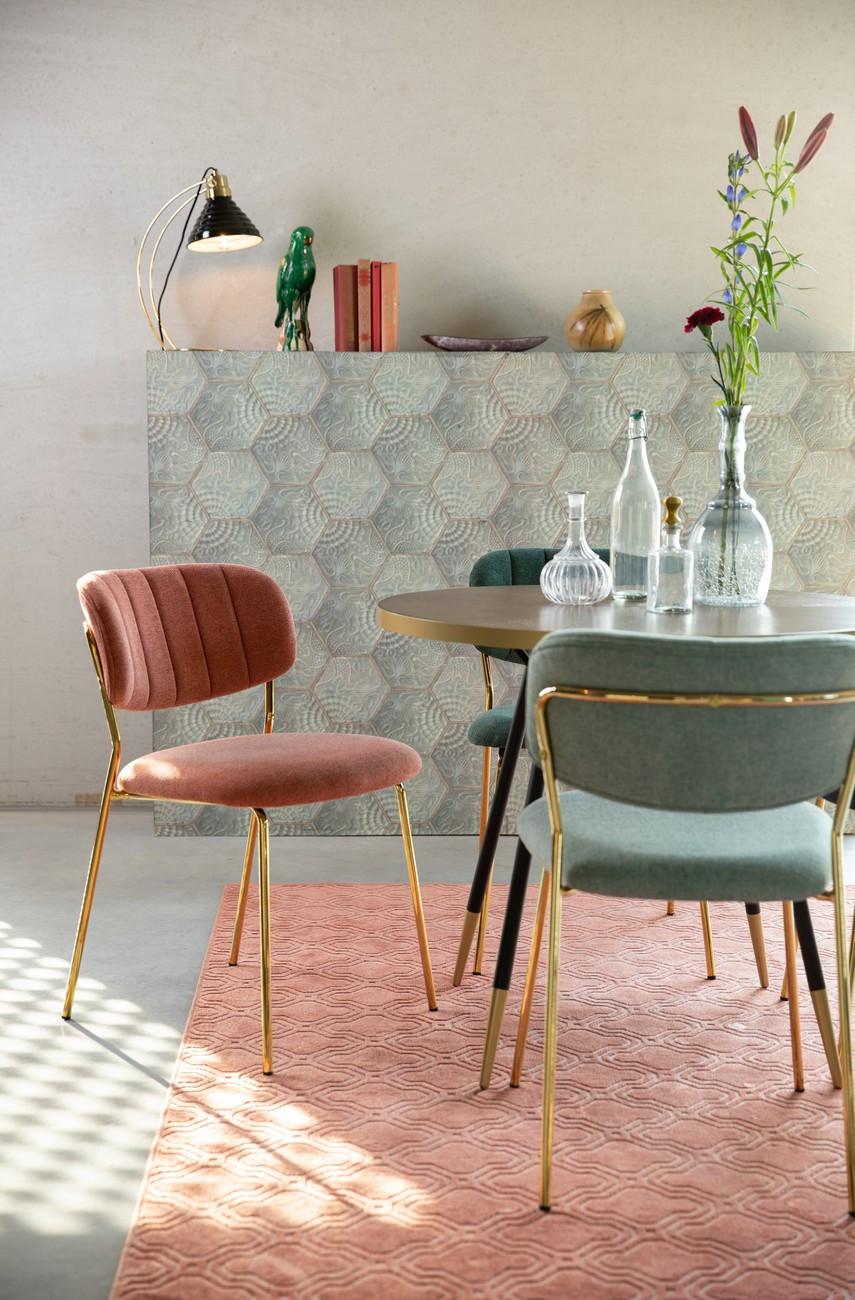 Chaise de repas rose