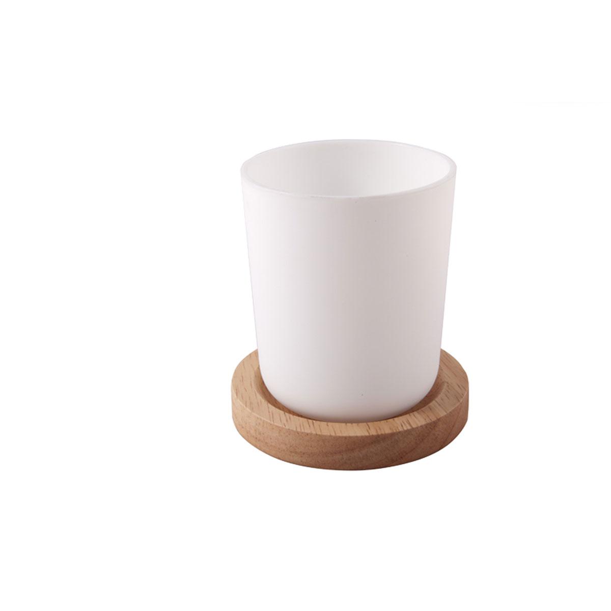 Gobelet blanc et socle en bois d'hévéa