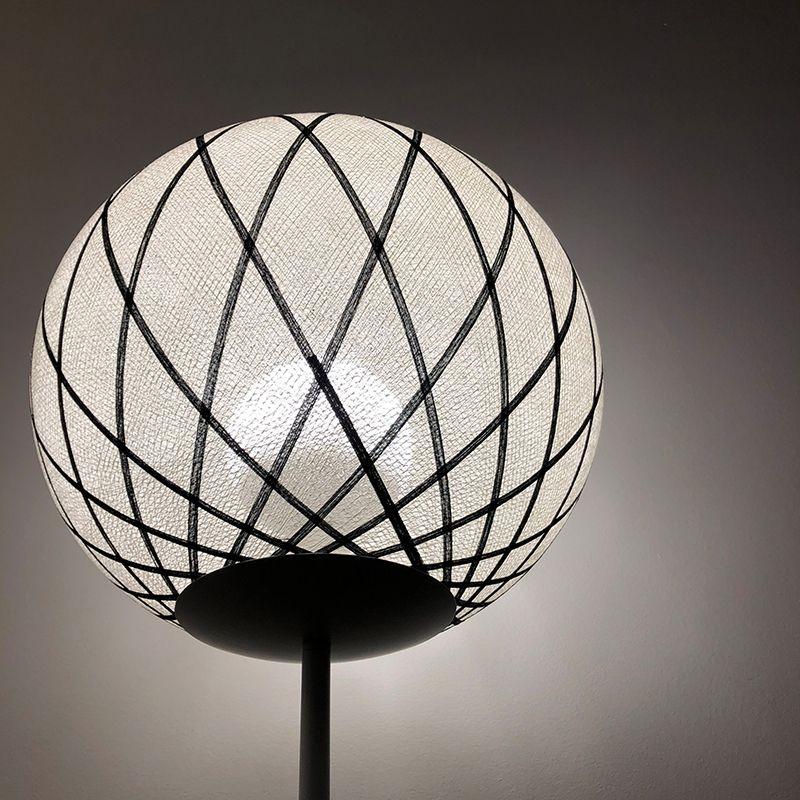 Lampadaire noir et blanc H177