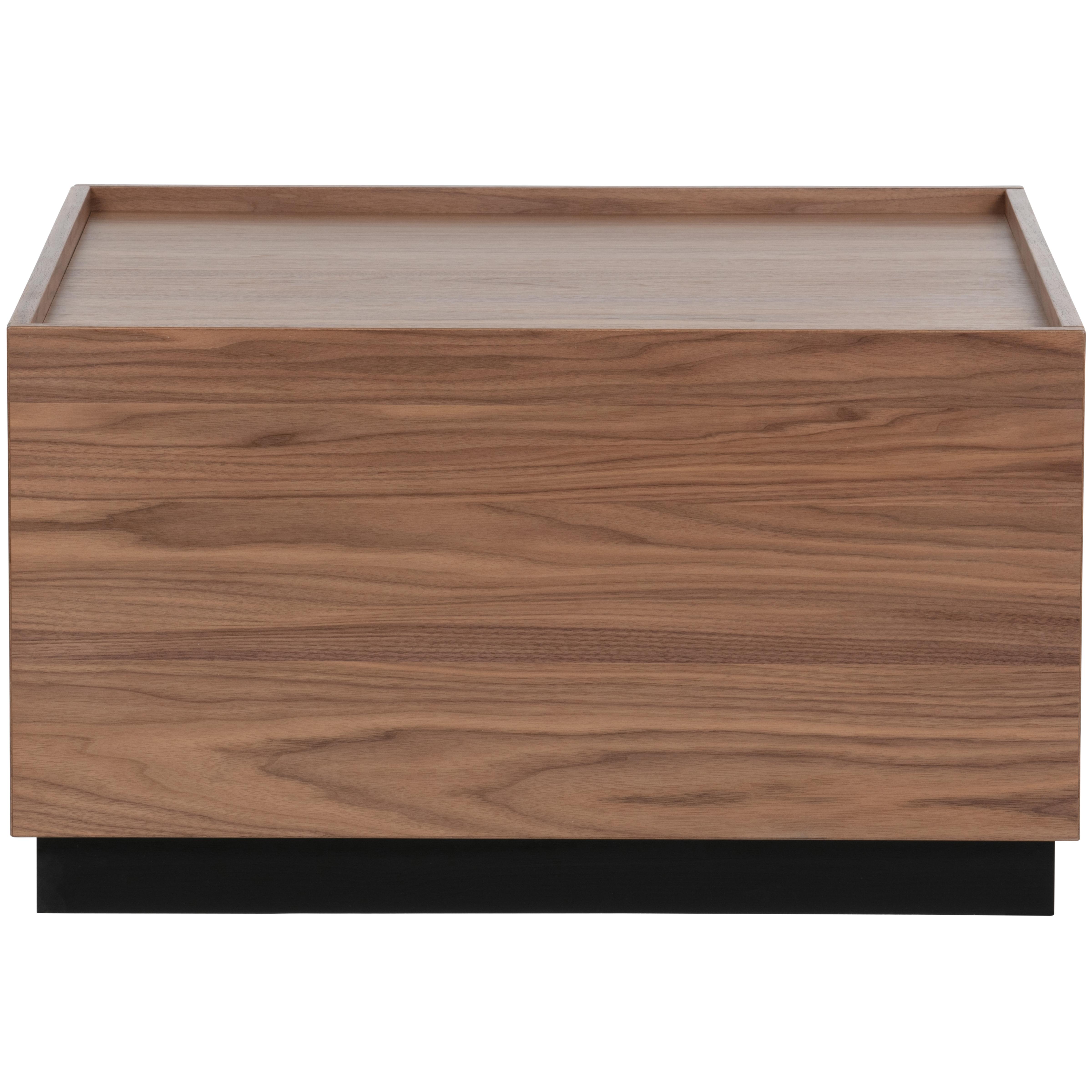 Table basse carrée en pin massif noyer