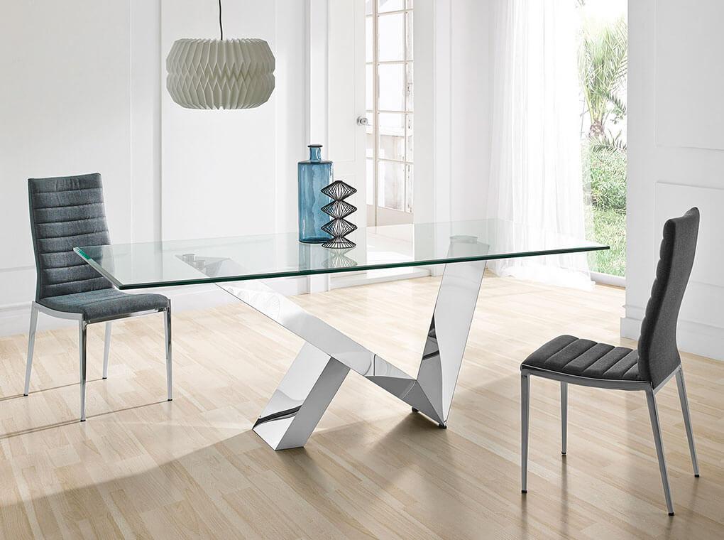 Table rectangulaire  plateau en verre trempé et pieds en acier L220