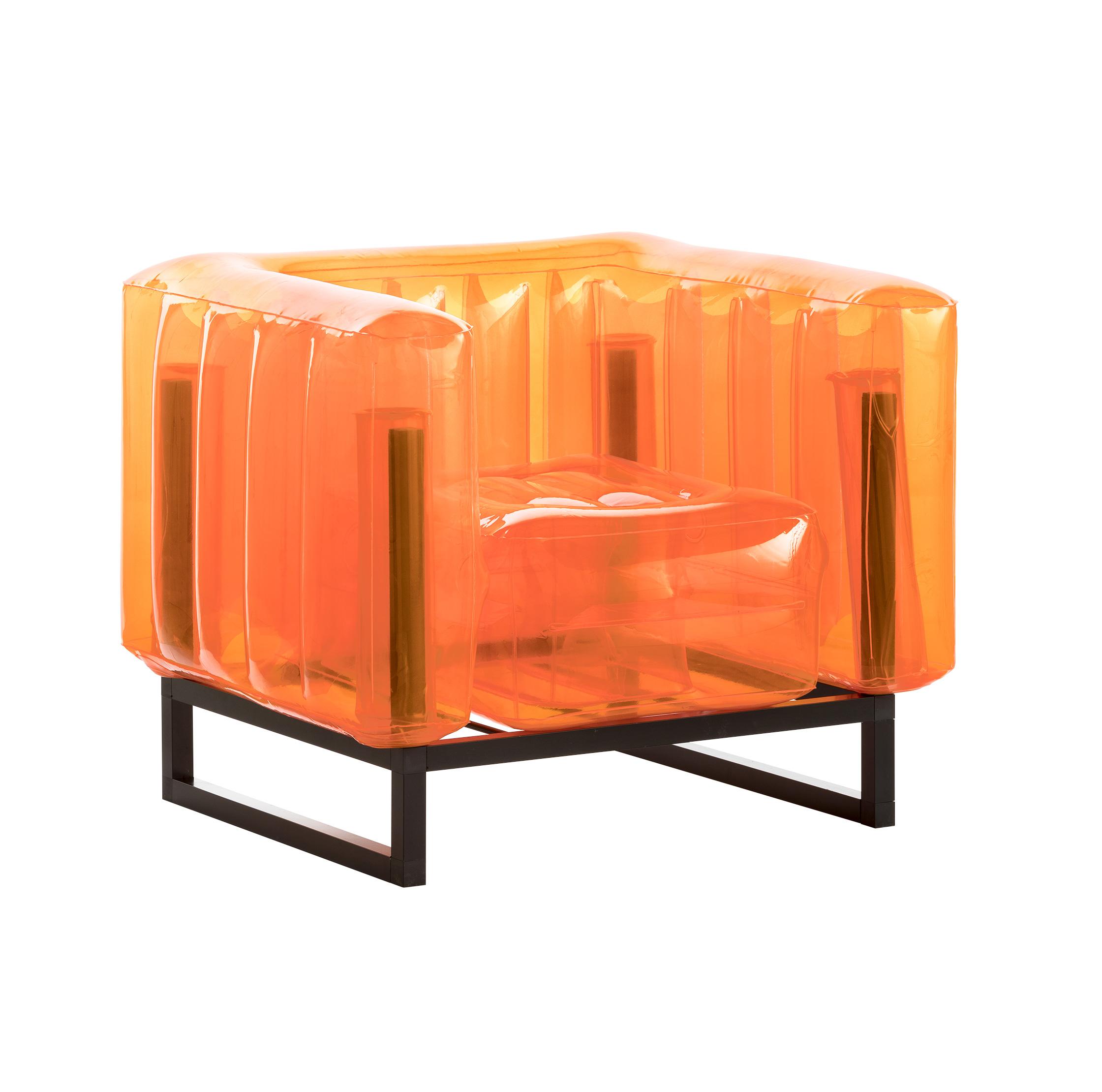 Fauteuil cadre aluminium noir assise tpu orange