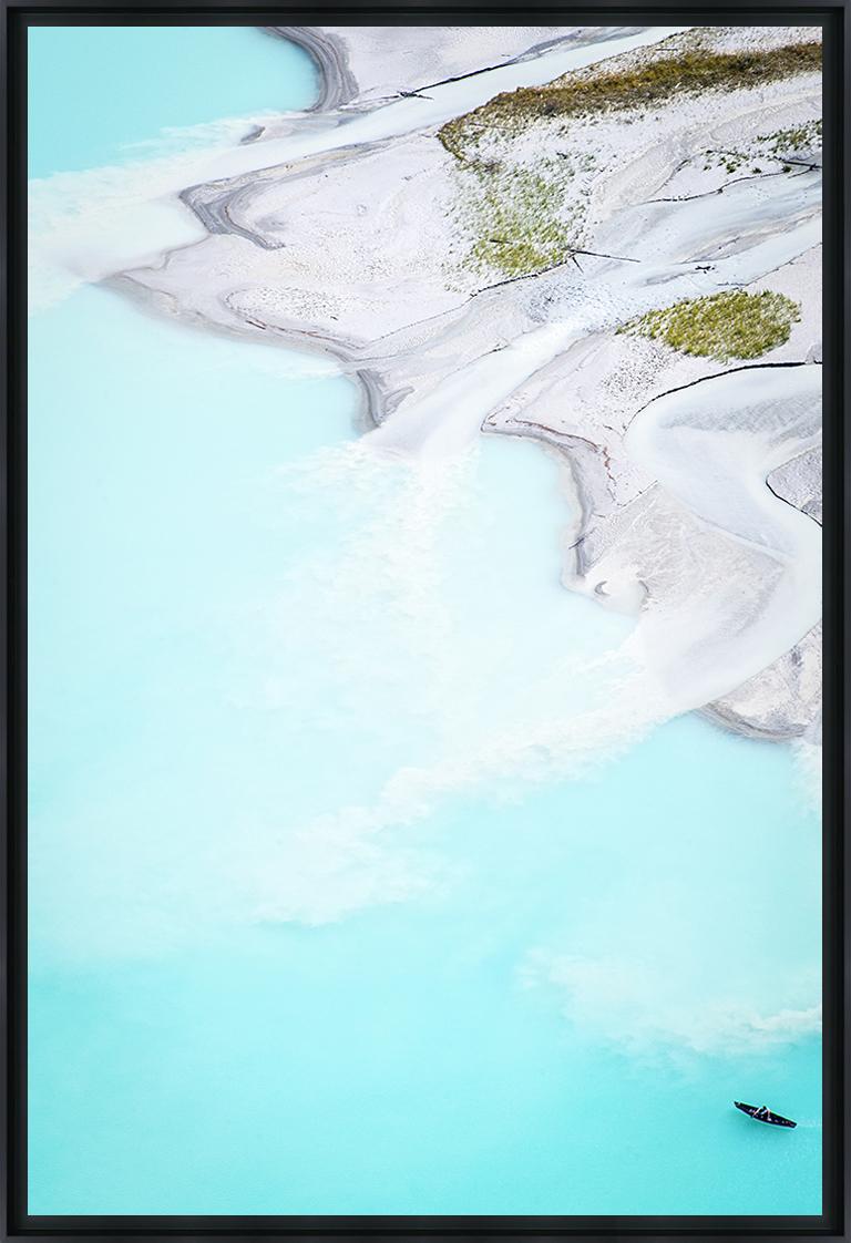 KAYAKING ON LAKE LOUISE 03 - Photo encadrée de Y. Dumortier 60x90 cm