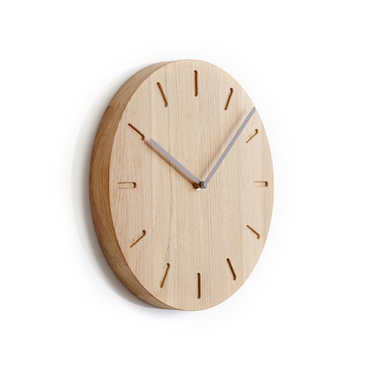Horloge chêne aiguilles grises Ø32 cm
