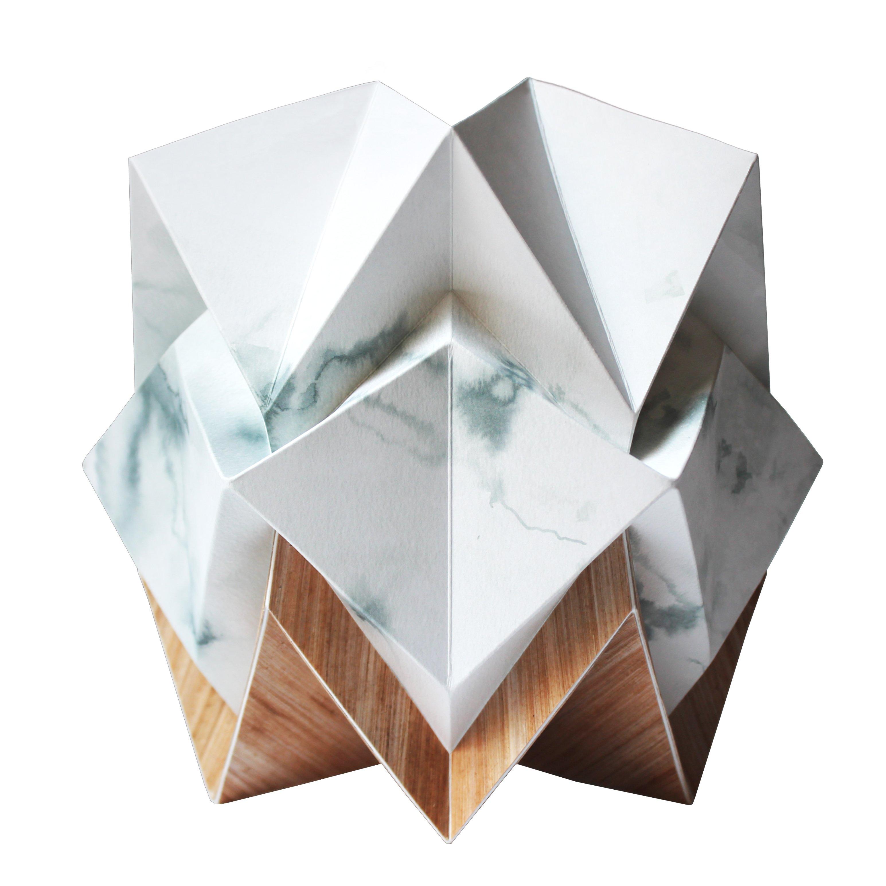 Lampe de table origami ecowood et papier motif hiver taille S