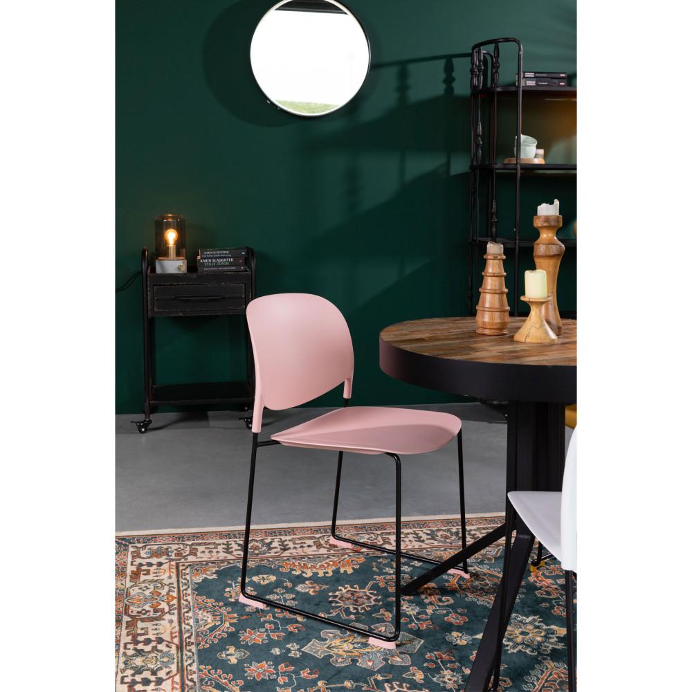 4 chaises en plastique rose pastel
