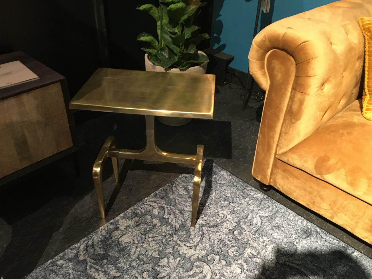 Table basse d'appoint en aluminium doré