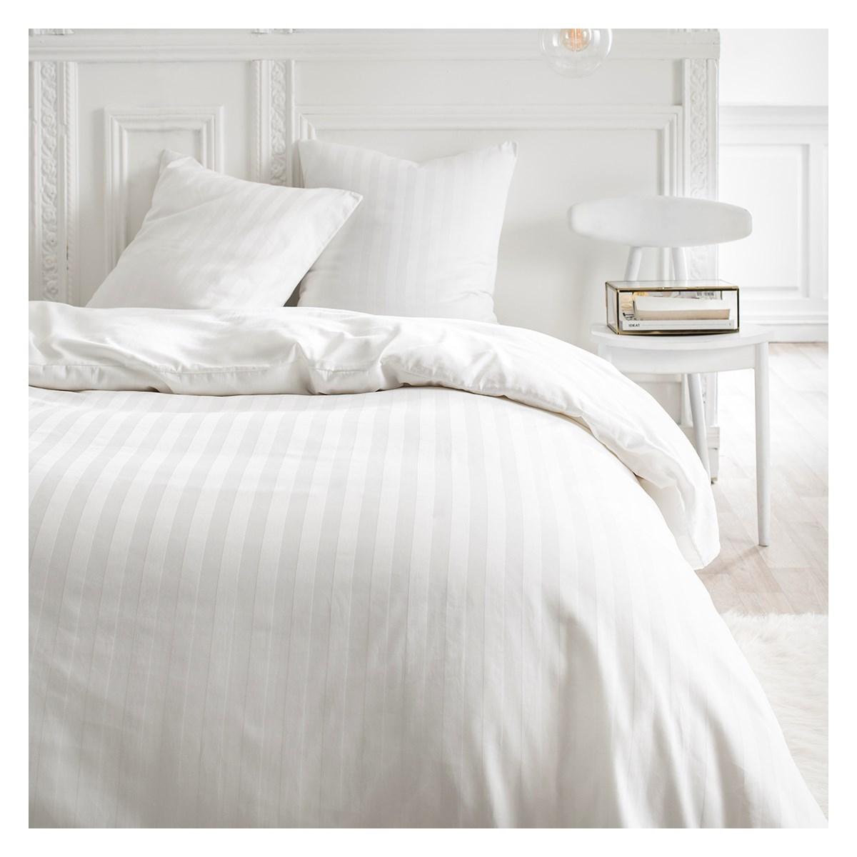 Parure de lit 2 personnes en Coton Blanc 240x260 cm