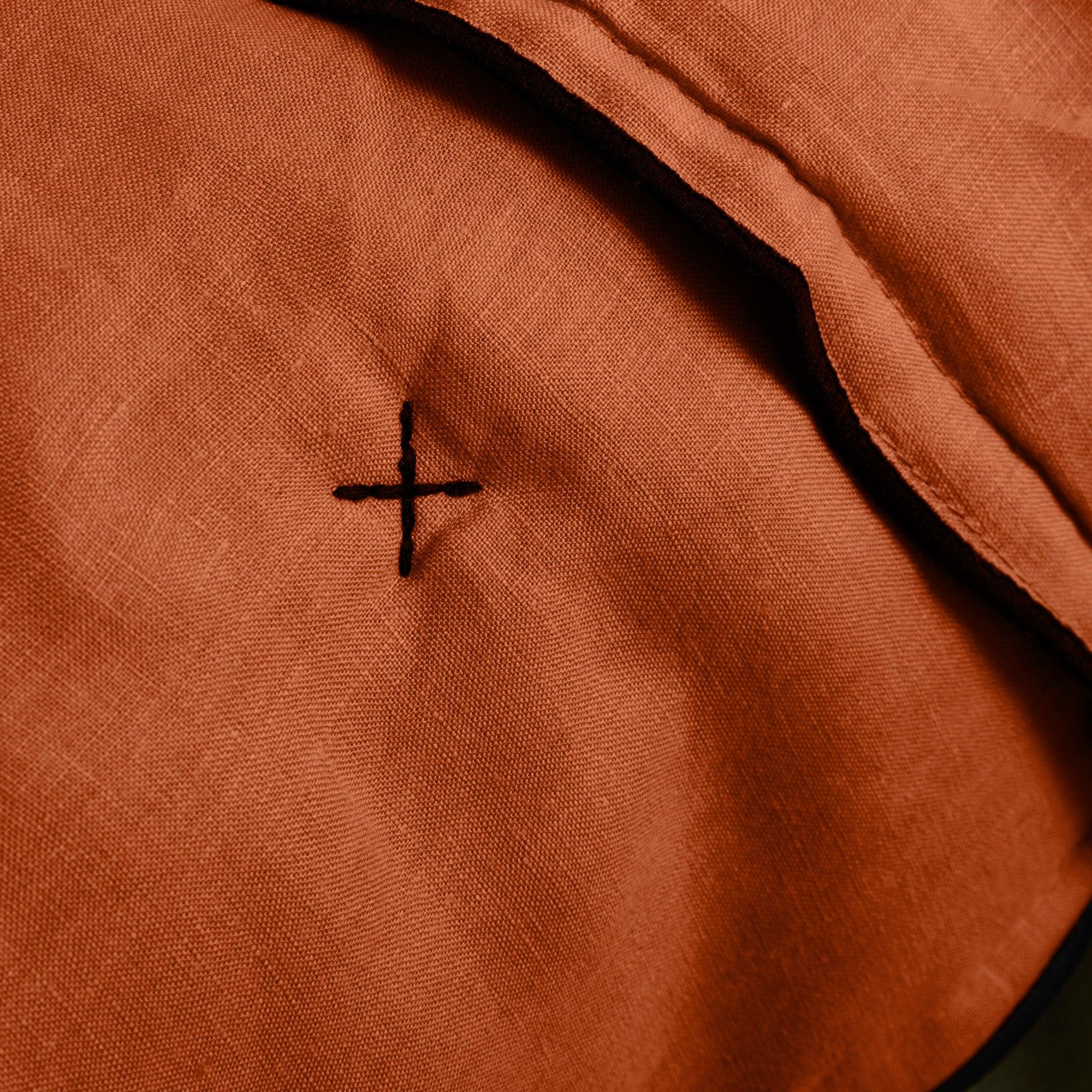 Couvre-lit matelassé 250x280 cm Terracotta et bourdon noir