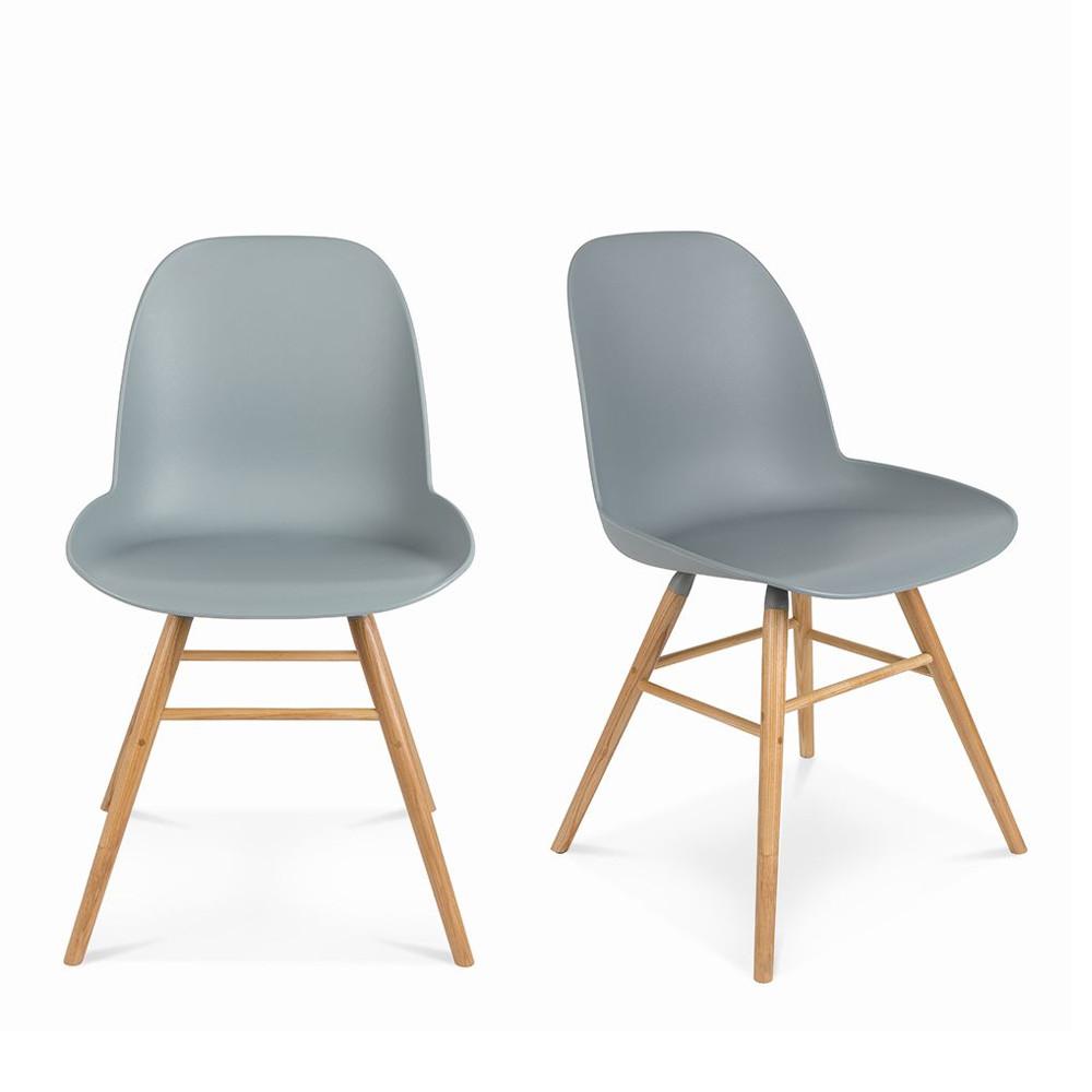 2 chaises résine et bois gris