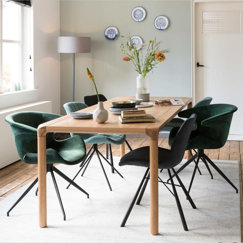 2 chaises design bleu