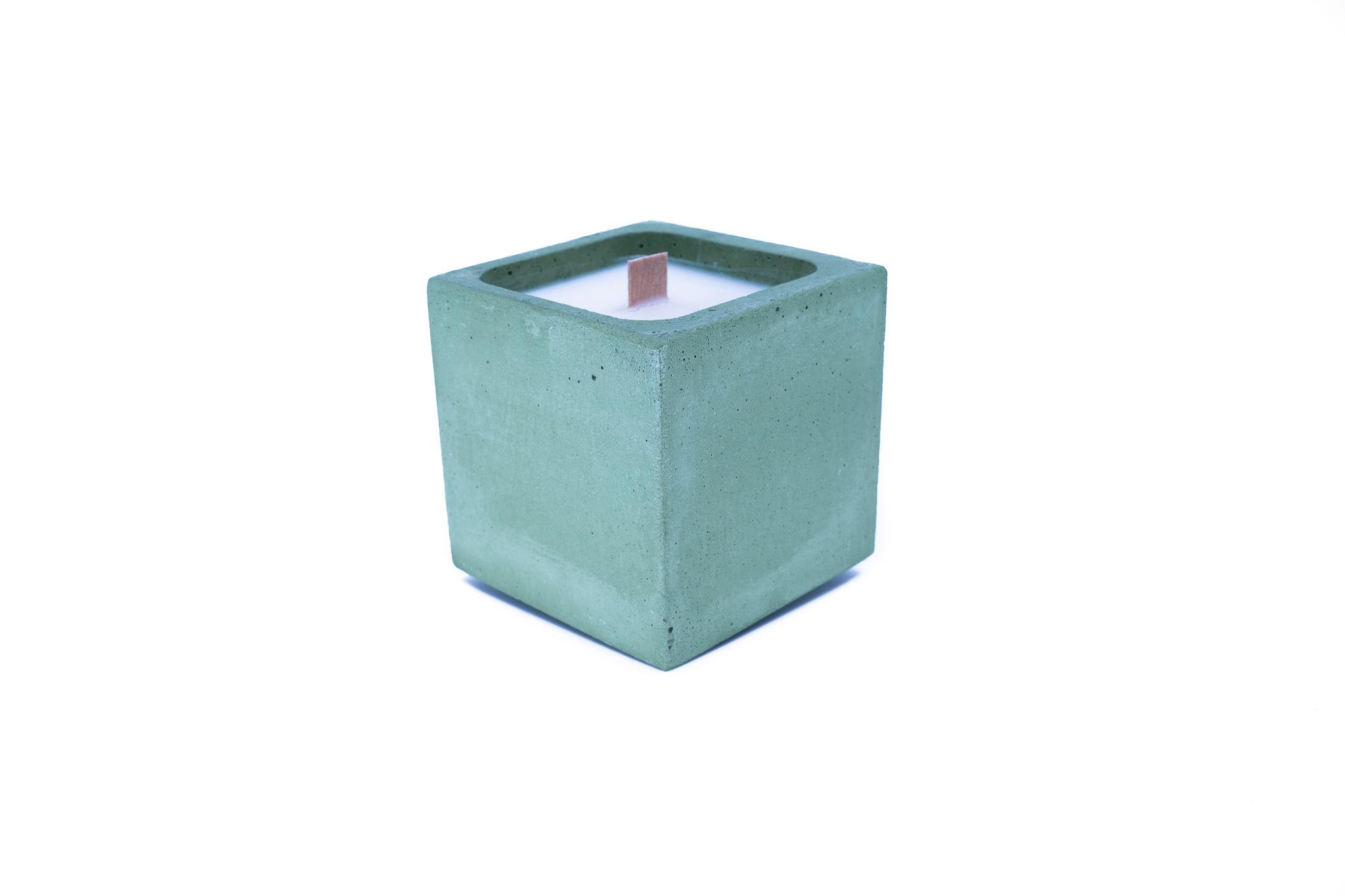 Bougie en béton coloré vert fleur de coton