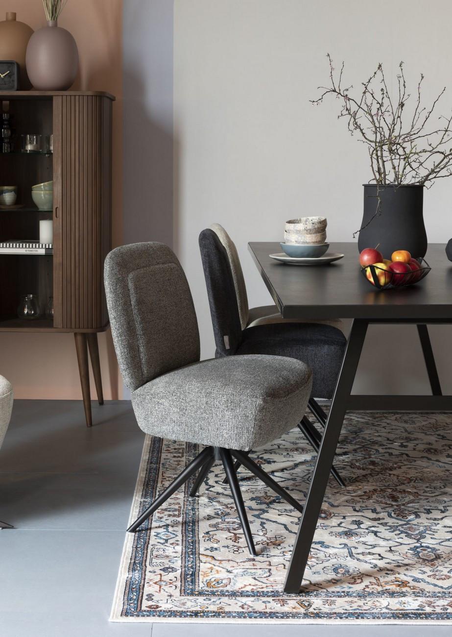 chaise design grise en tissu