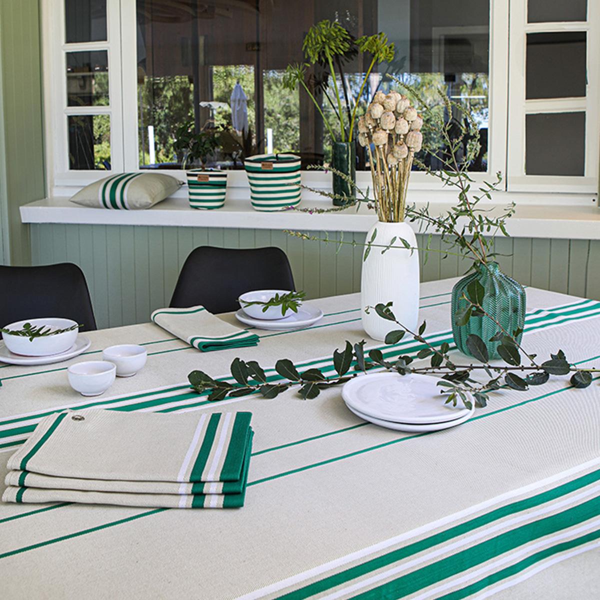 Nappe 10 couverts en coton vert 300x170cm