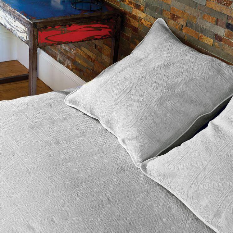 Dessus de lit en 100% coton blanc 180x250