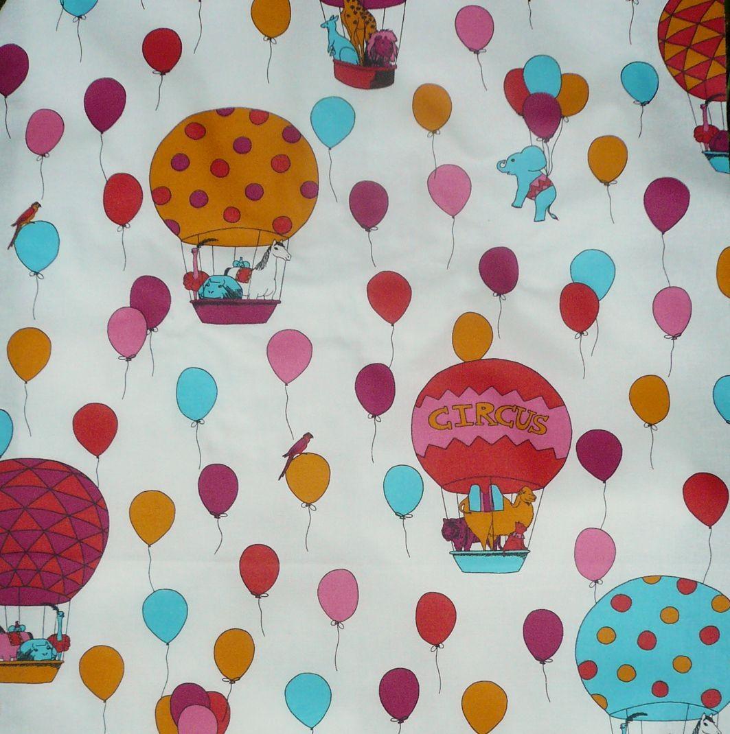 Nappe enduite carrée 120 x 120 cm multicolore