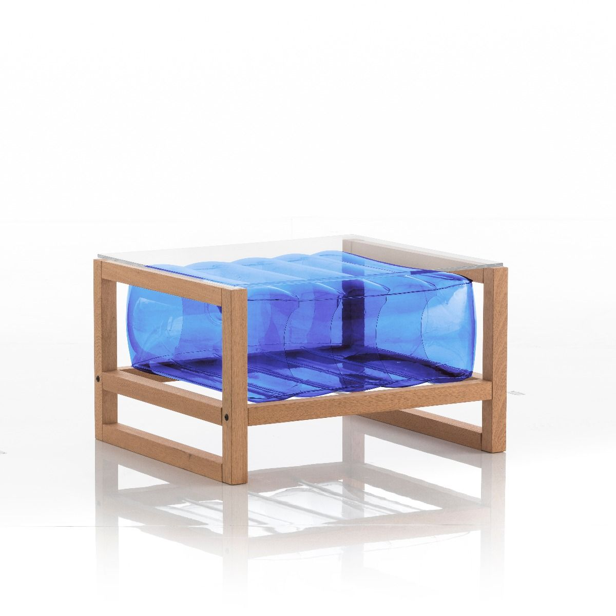 Table basse en bois et tpu bleu