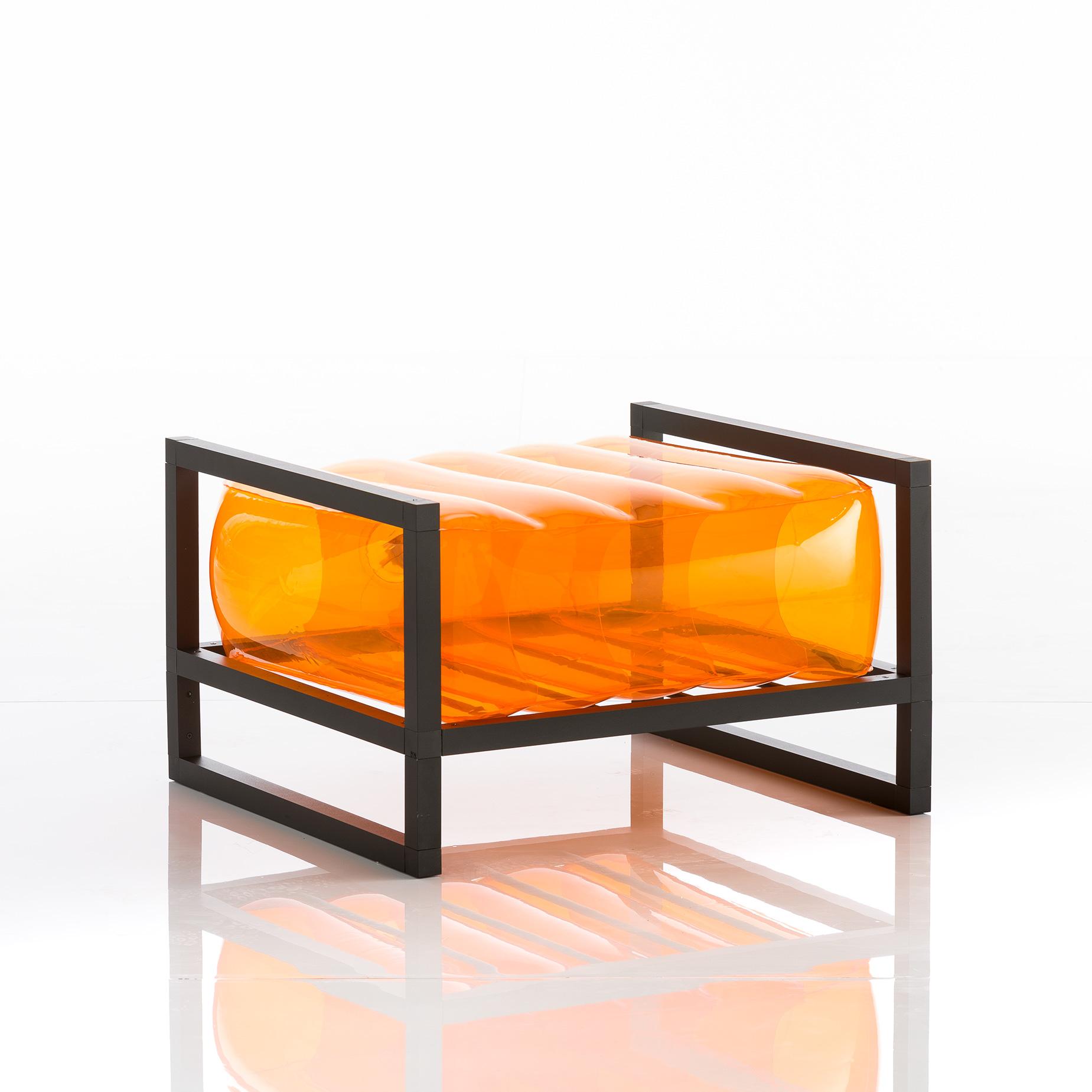 Pouf tpu orange cadre en aluminium