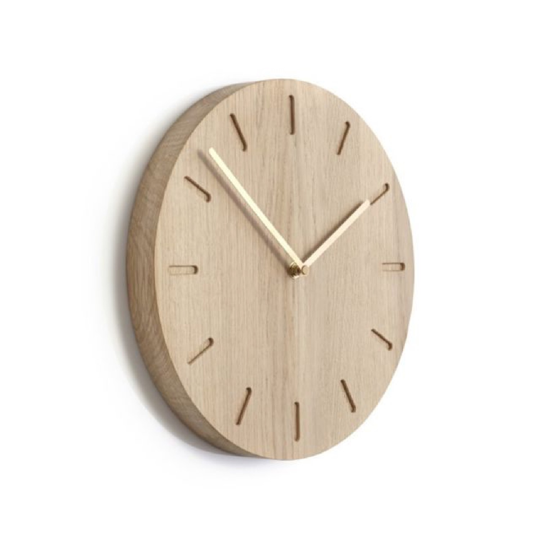 Horloge chêne aiguilles laiton Ø32 cm