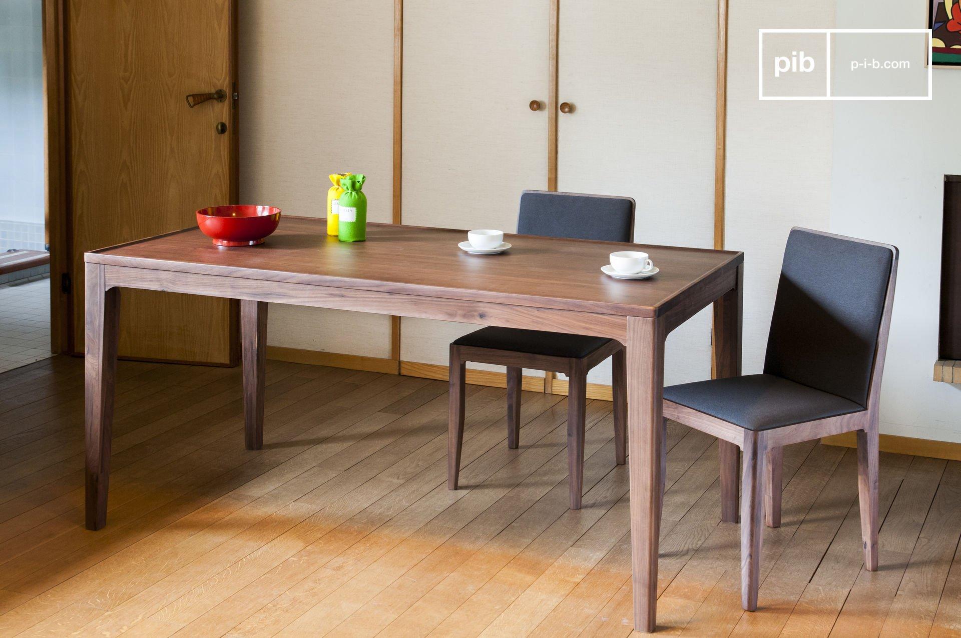 Table scandinave en noyer marron