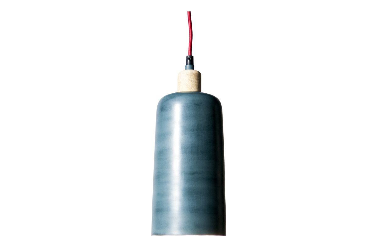 Suspension en métal bleu