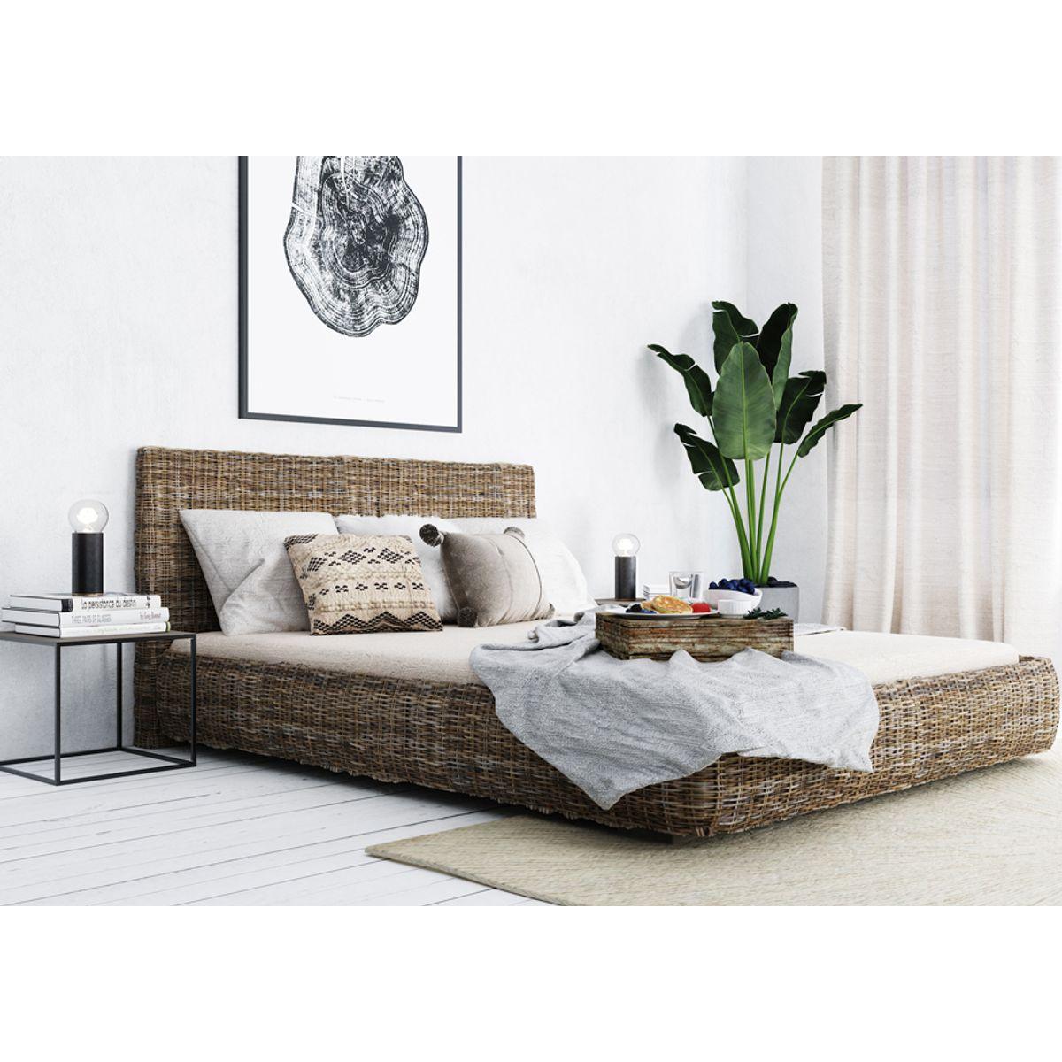 Bout de canapé en métal design contemporain H35 cm