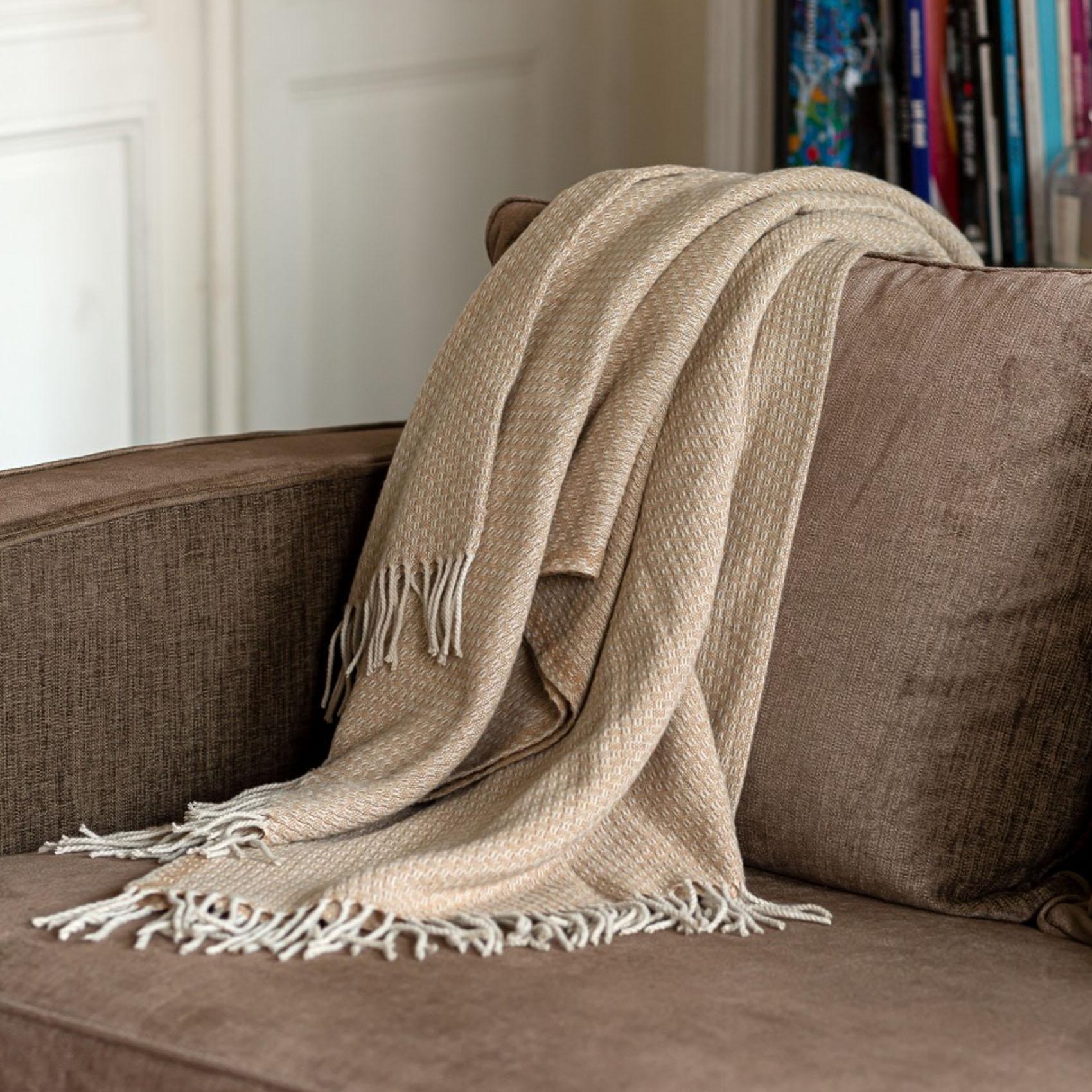 Plaid en mélange de matière laine moka 170x130