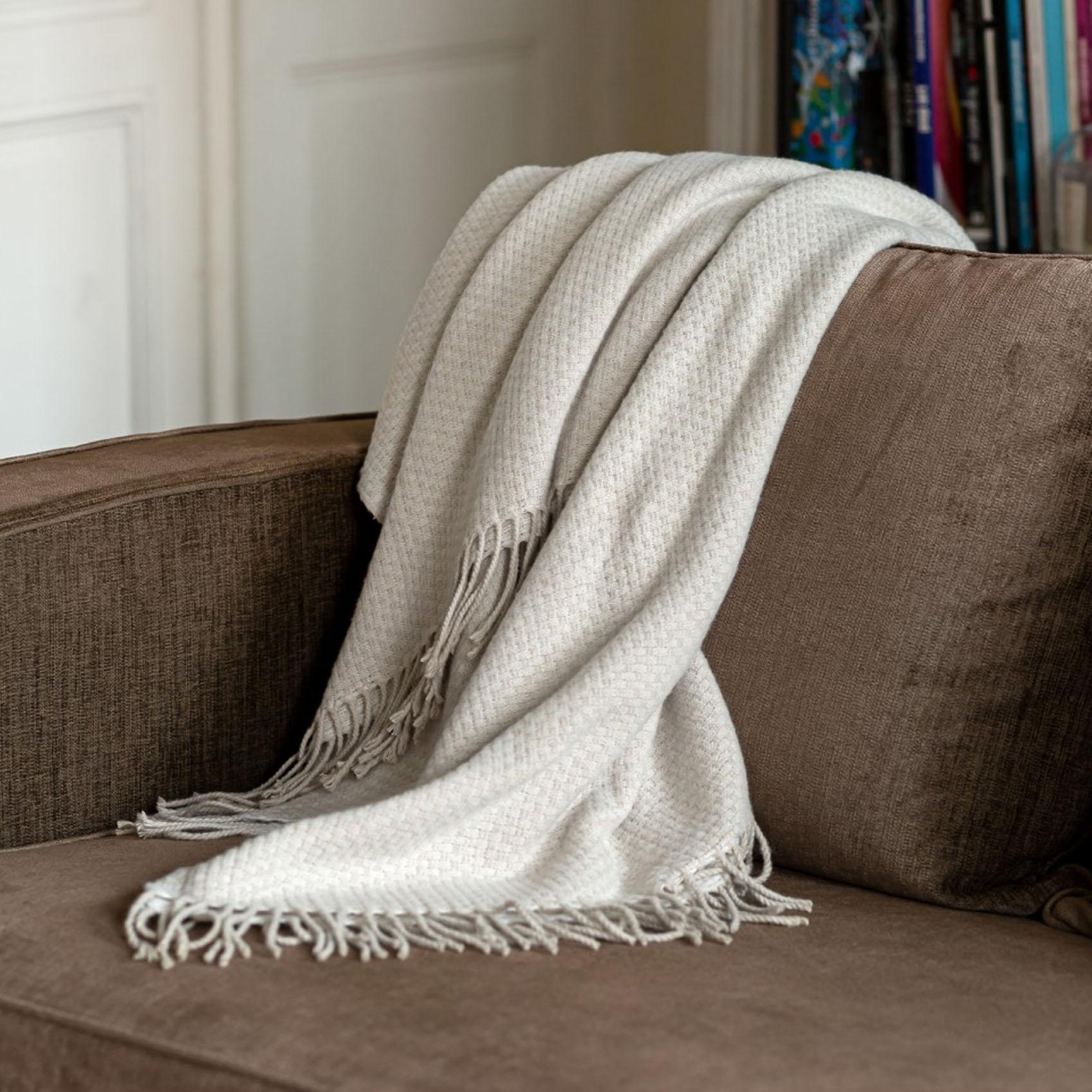 Plaid en mélange de matière laine ivoire 170x130