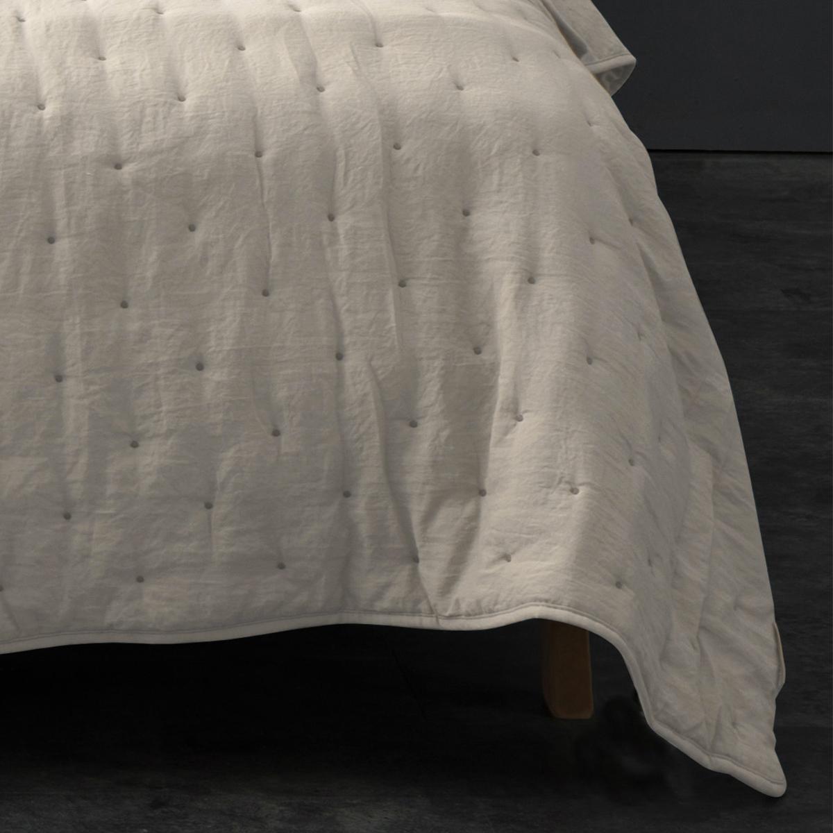 Couvre lit matelassé et moelleux polyester ecru 240x180