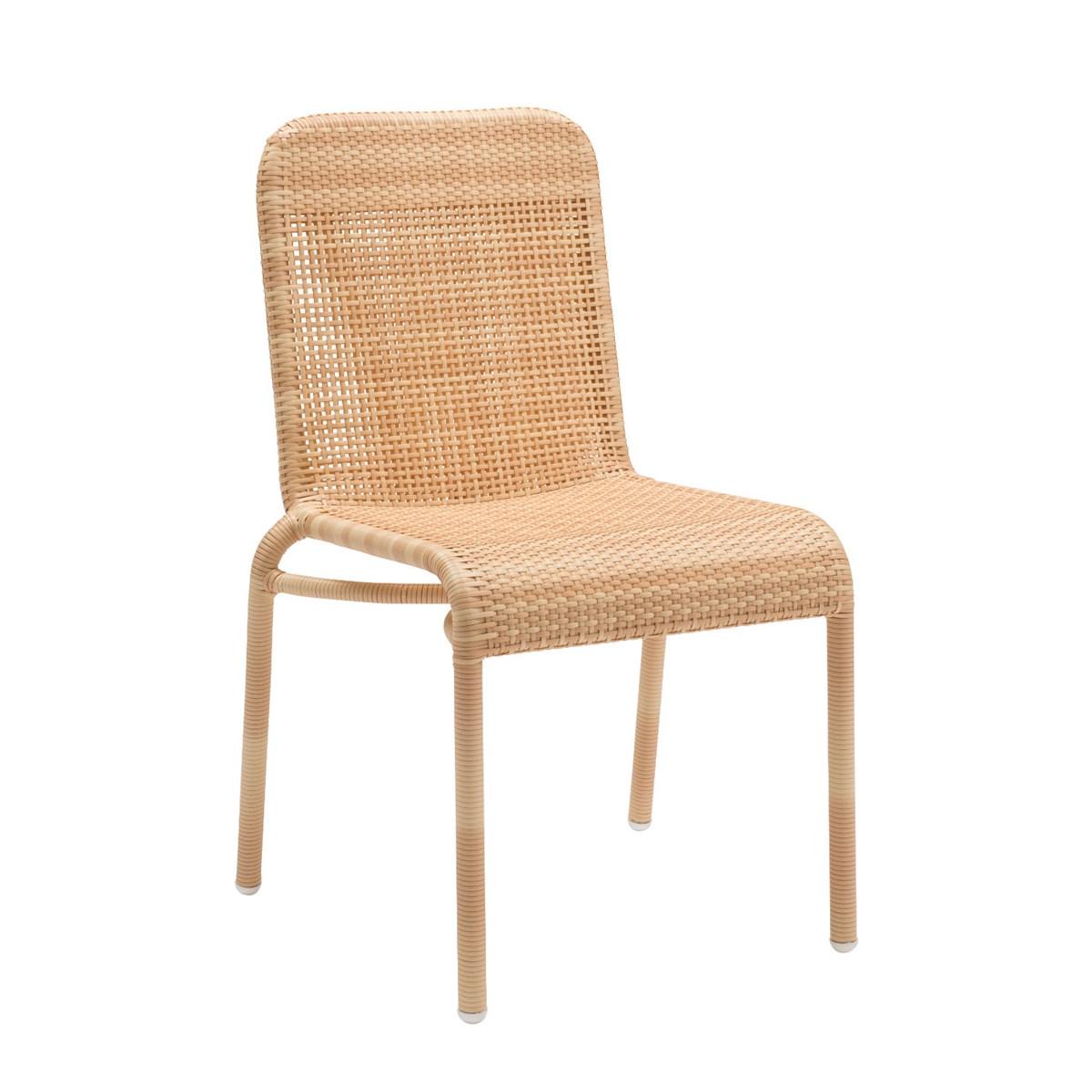 Chaise de jardin tressée en résine beige clair