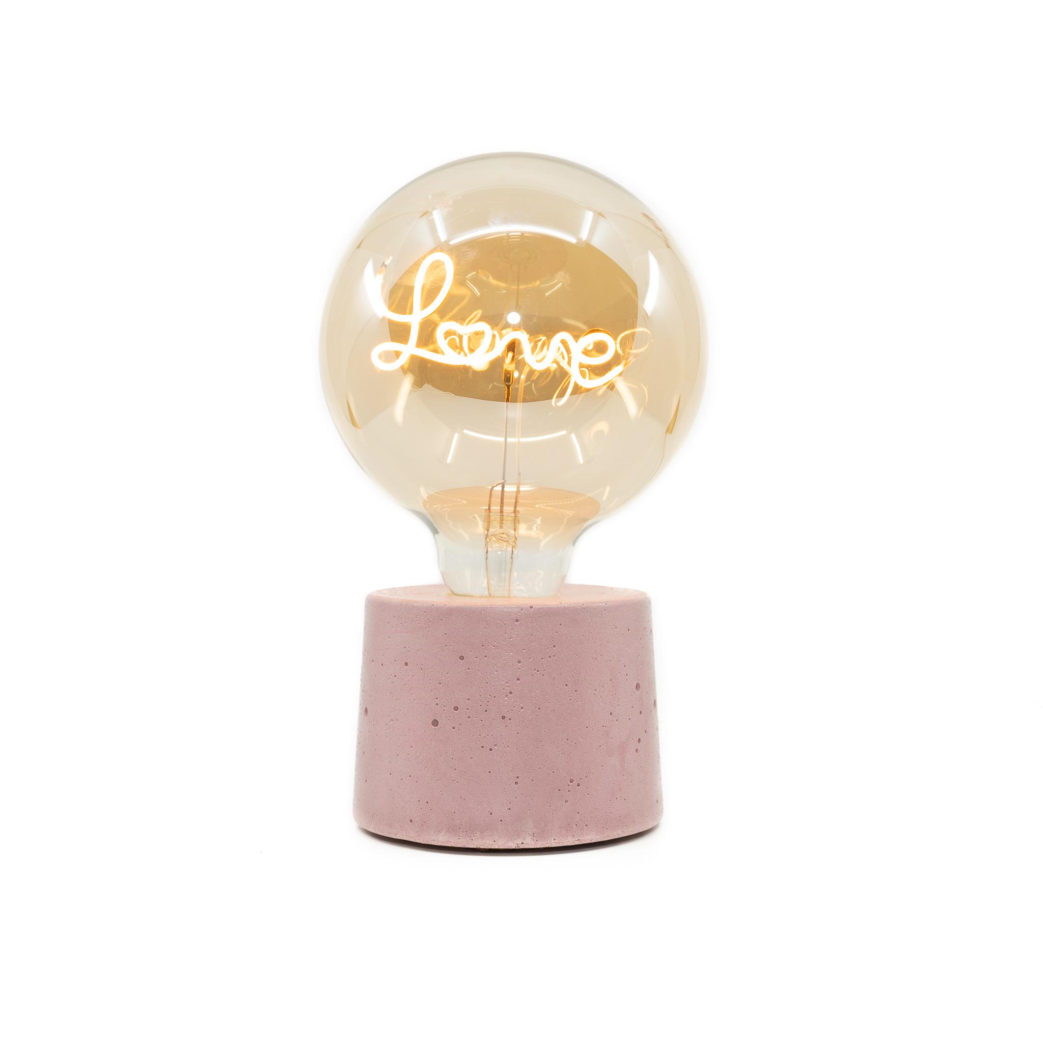 Lampe en béton rose et ampoule love