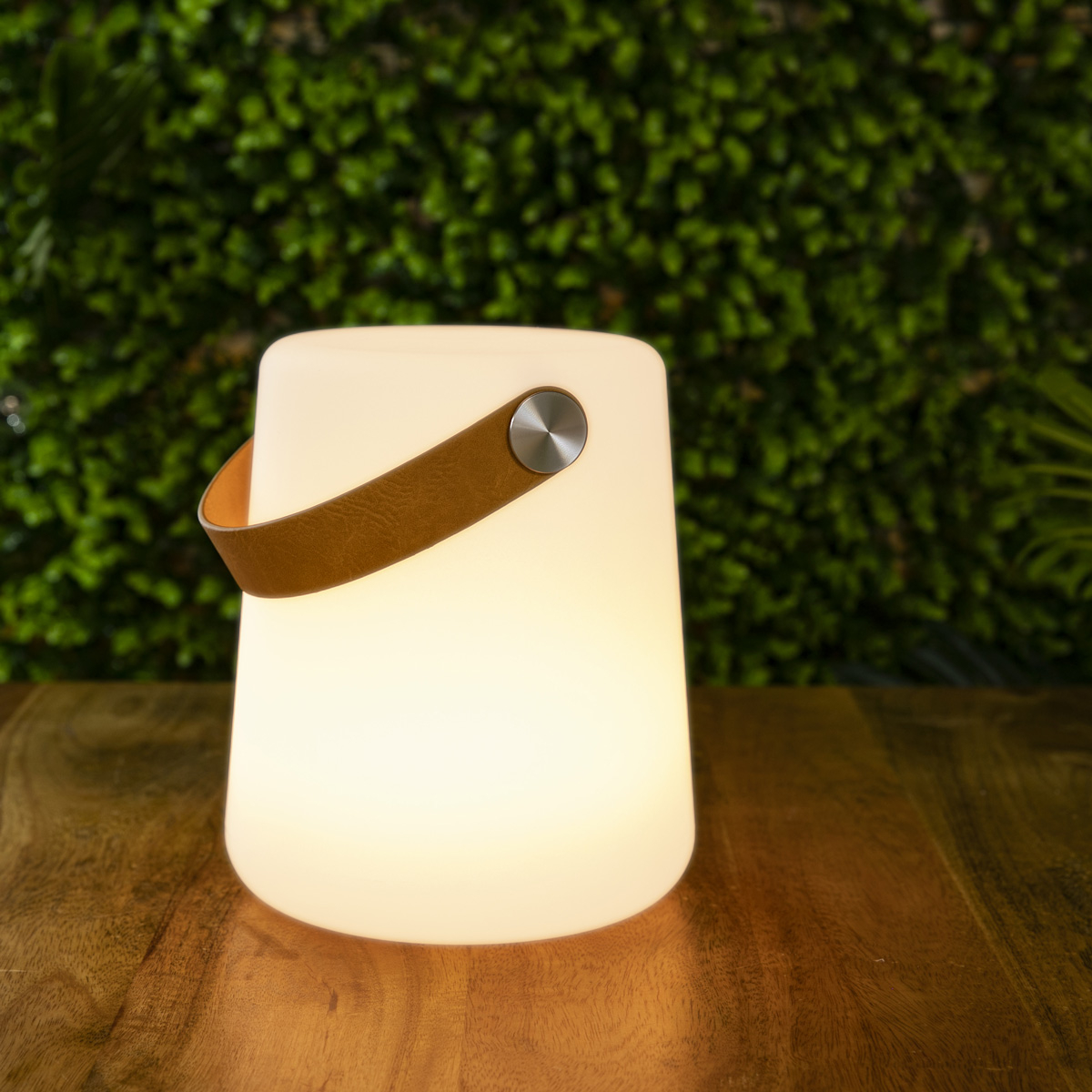 Lampe nomade en polyéthylène blanc