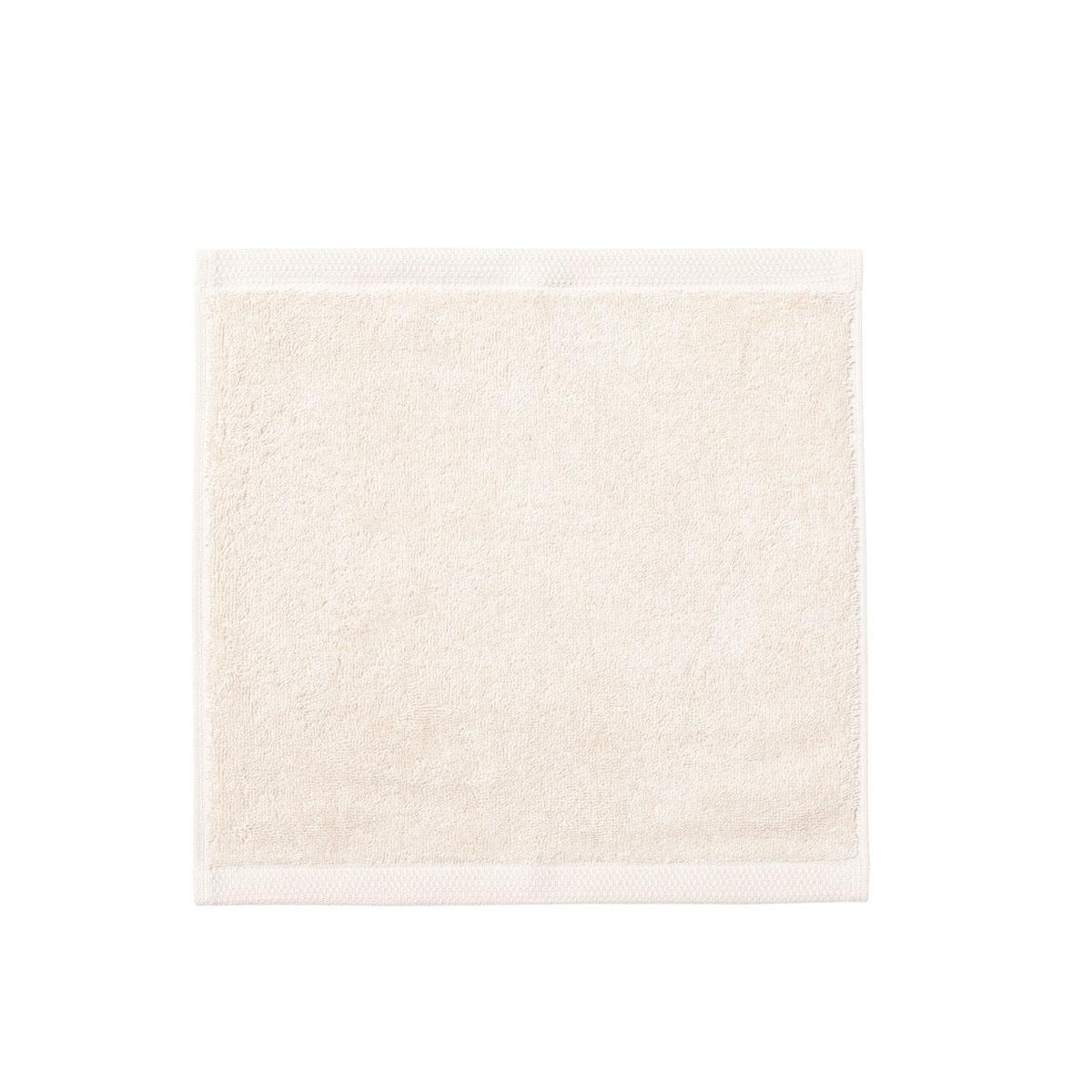 Carré visage en blanc meringue 30x30