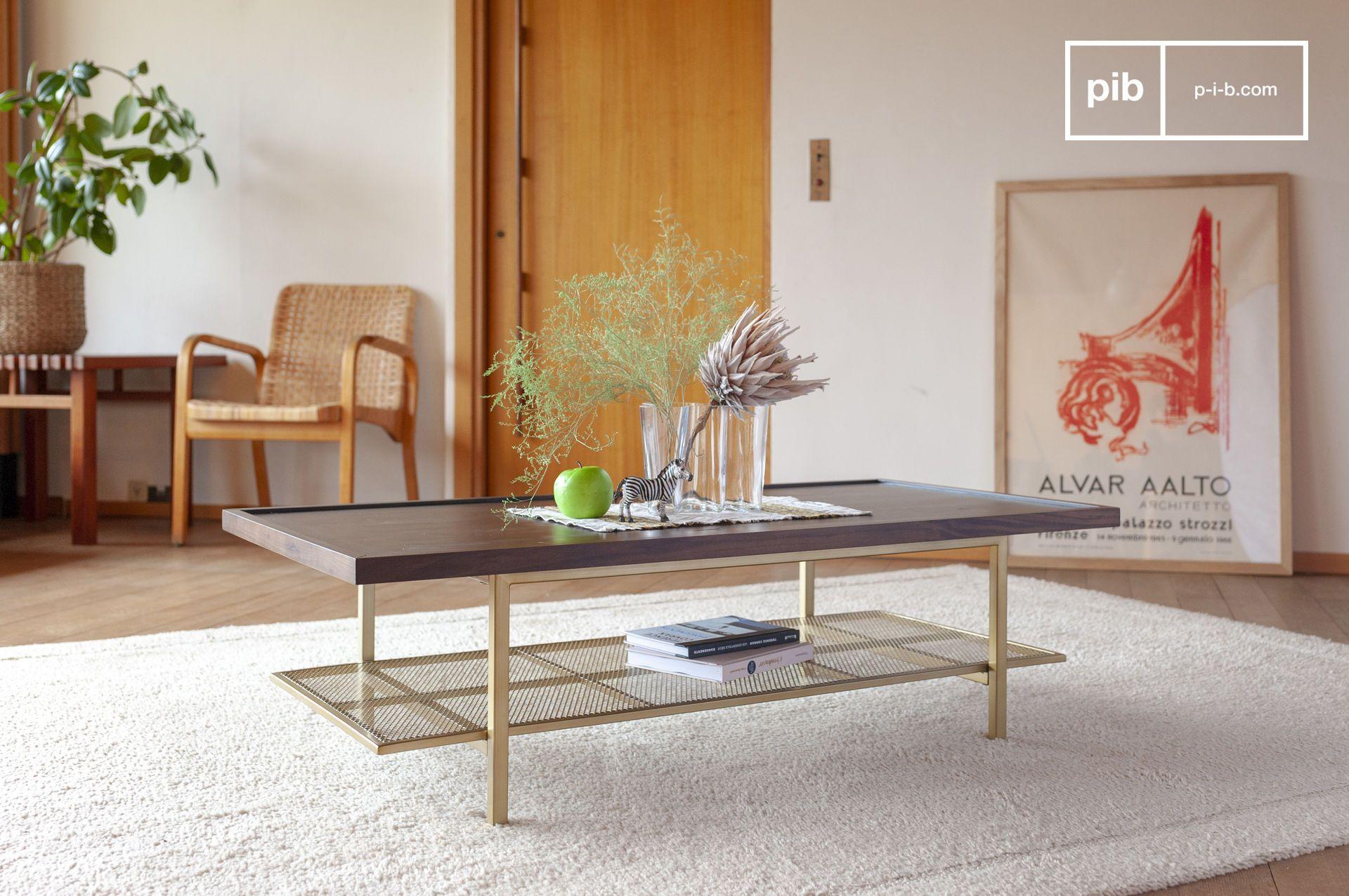 Table basse en métal doré et noyer marron