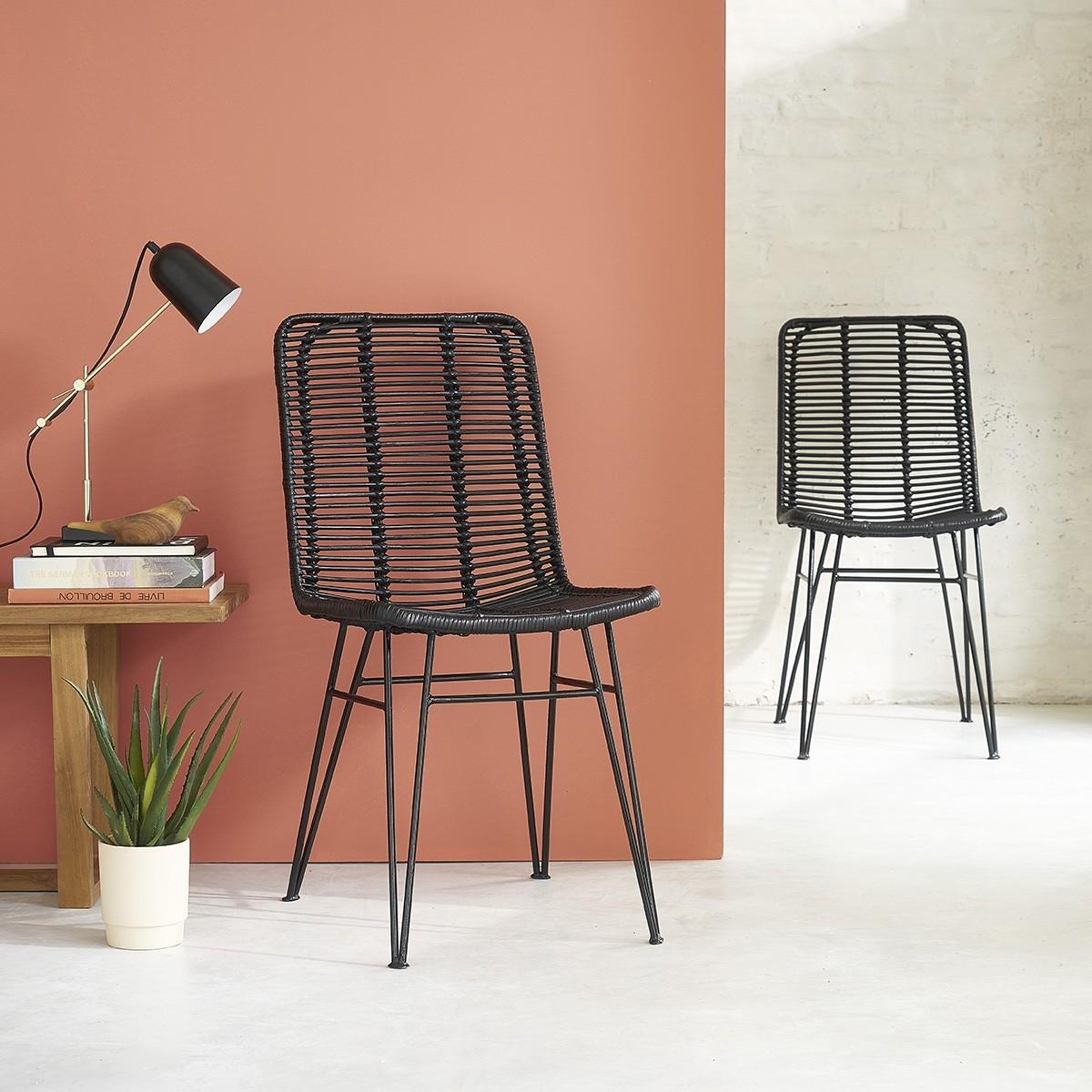 2 chaises en rotin et métal noires