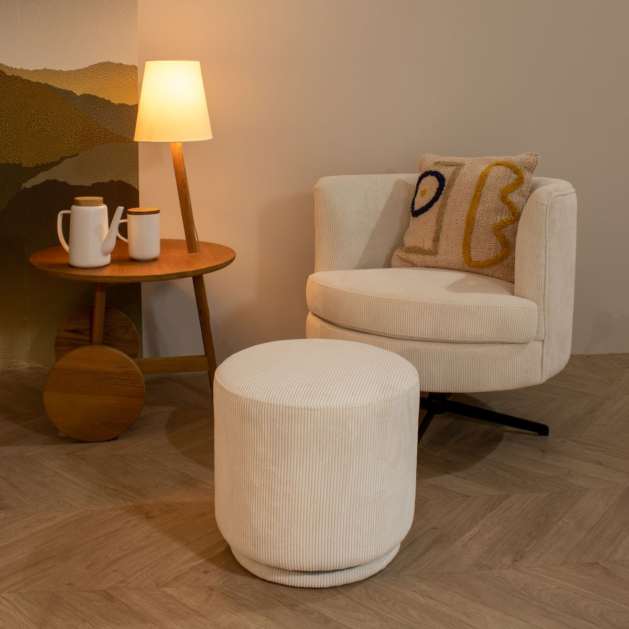 Table d'appoint en teck avec lampe