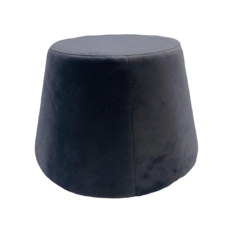 Pouf recouvert de velours noir 31,5x34x46,5cm