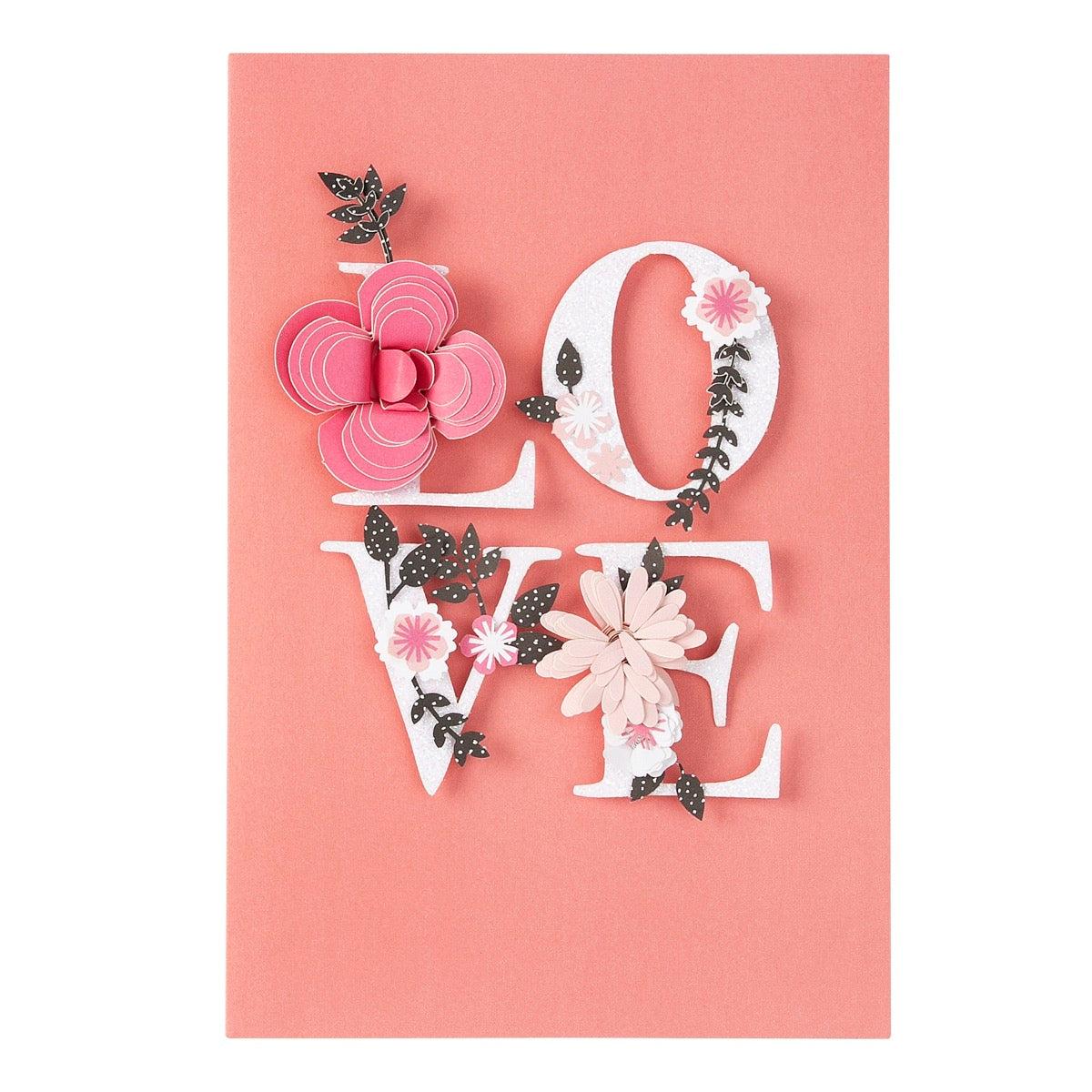 Carte amour mot love et fleurs reliefées
