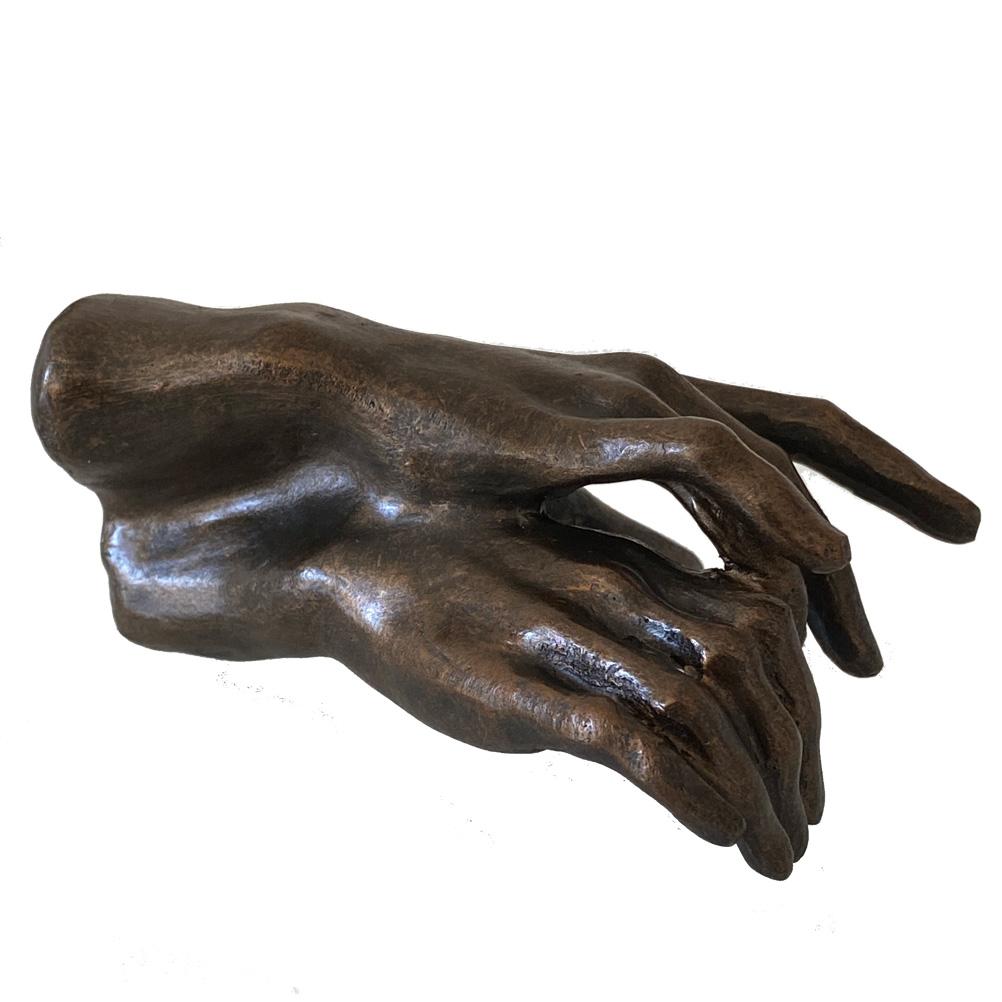 Figure deux mains en résine L10cm