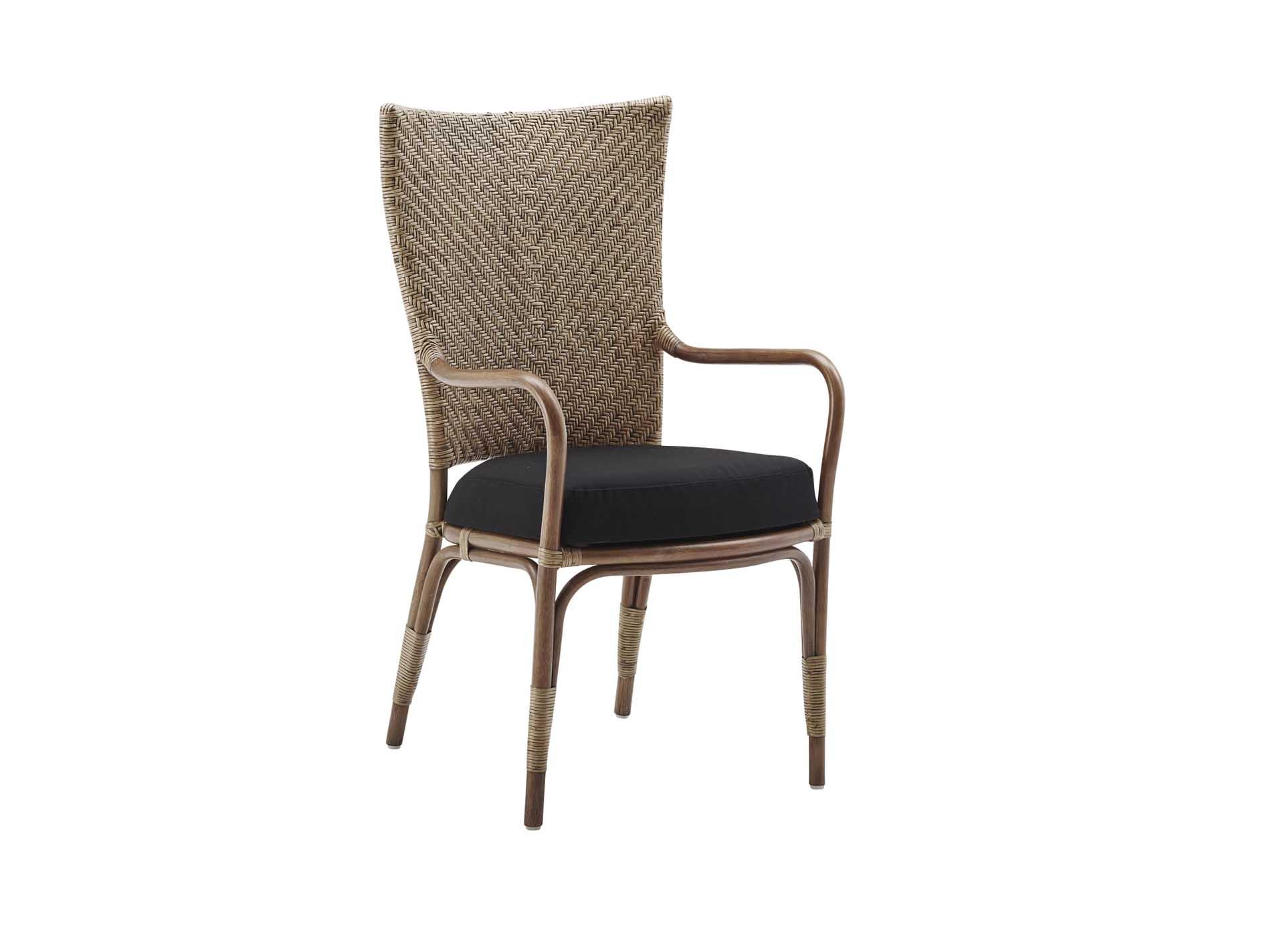 Chaise repas en rotin antique avec coussin façon tapissier