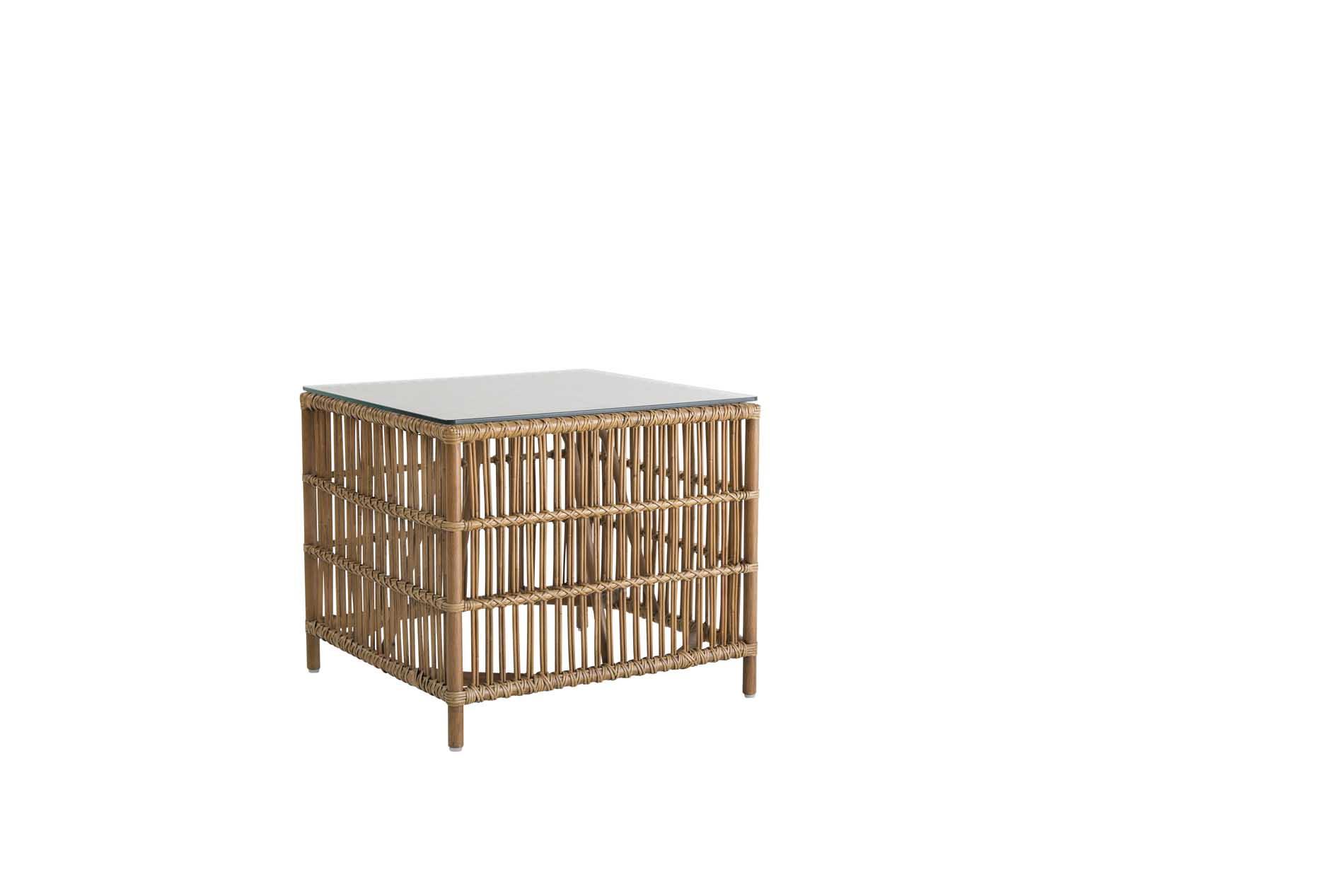 Tables basse carrée en rotin antique
