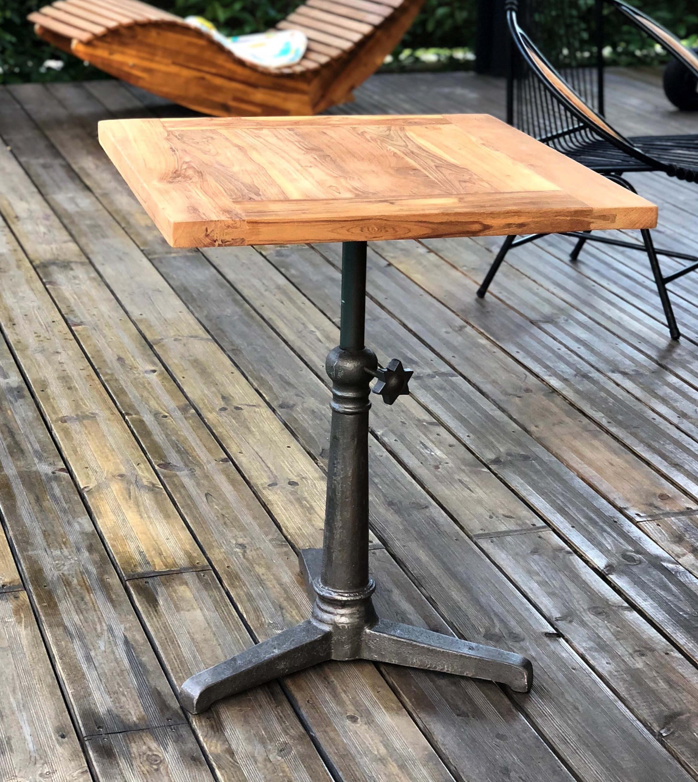 Table hauteur réglable bois massif