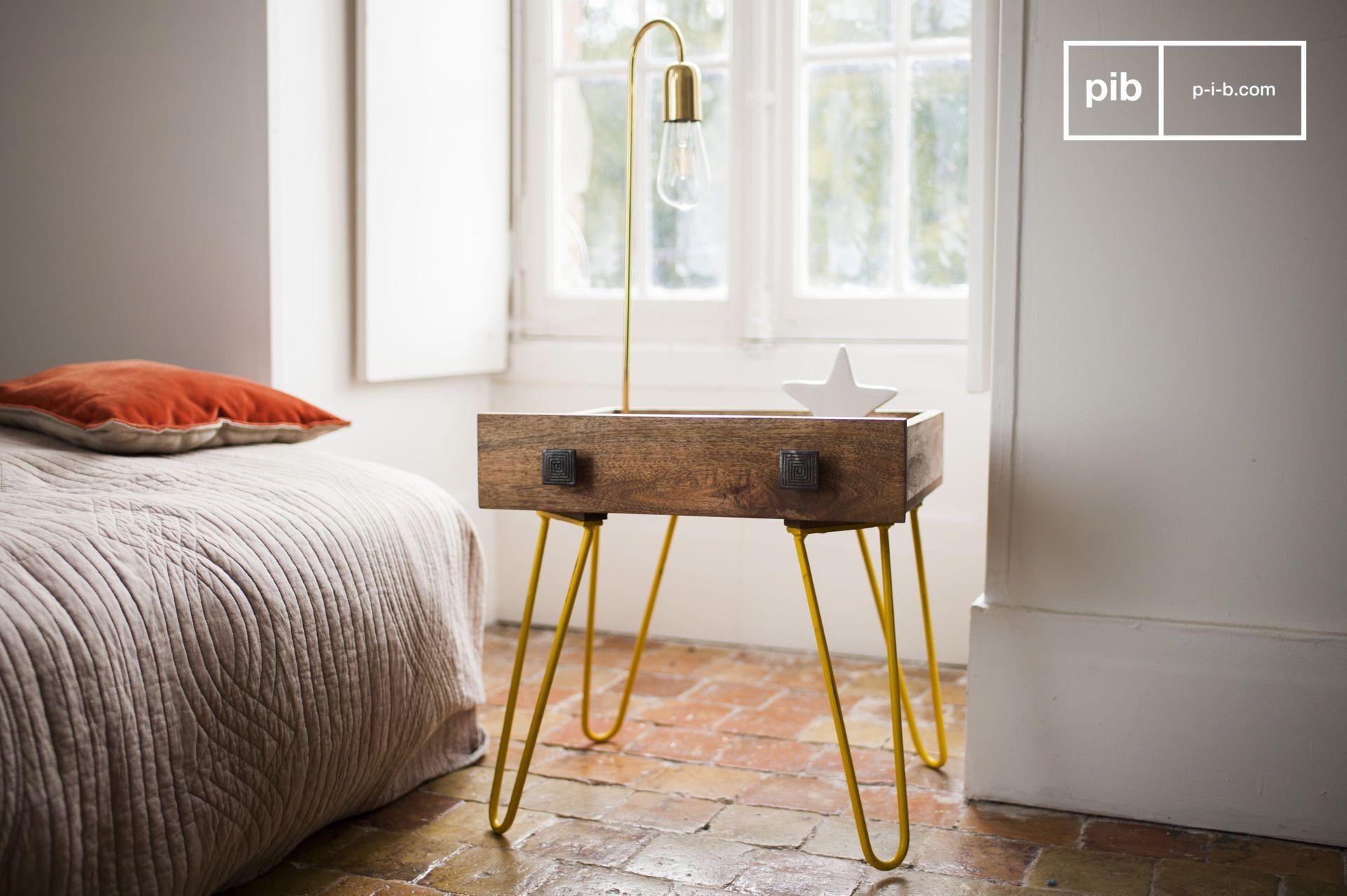 Table d'appoint industrielle en bois marron