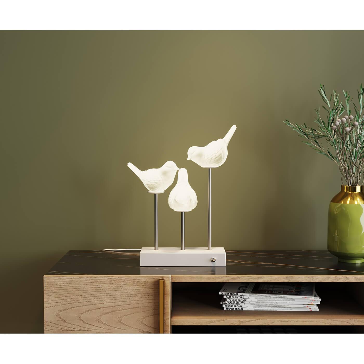 Lampe trois oiseaux en porcelaine blanche