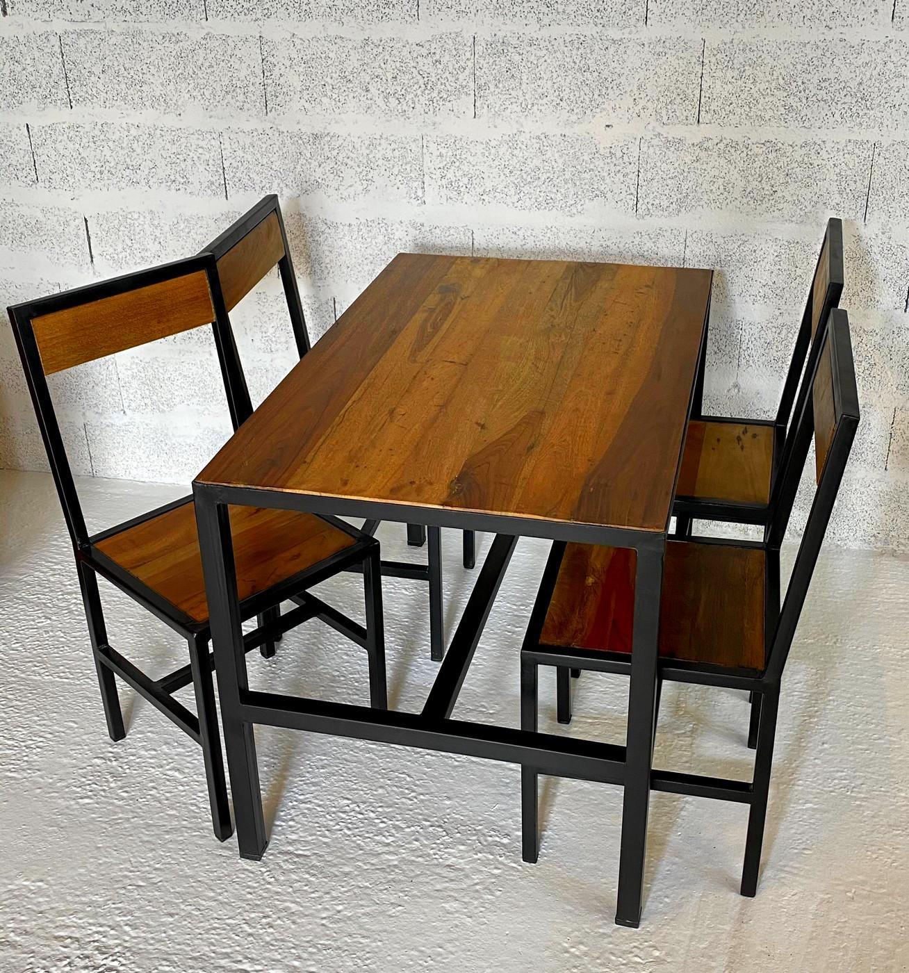 Table à manger 4 places en bois L110